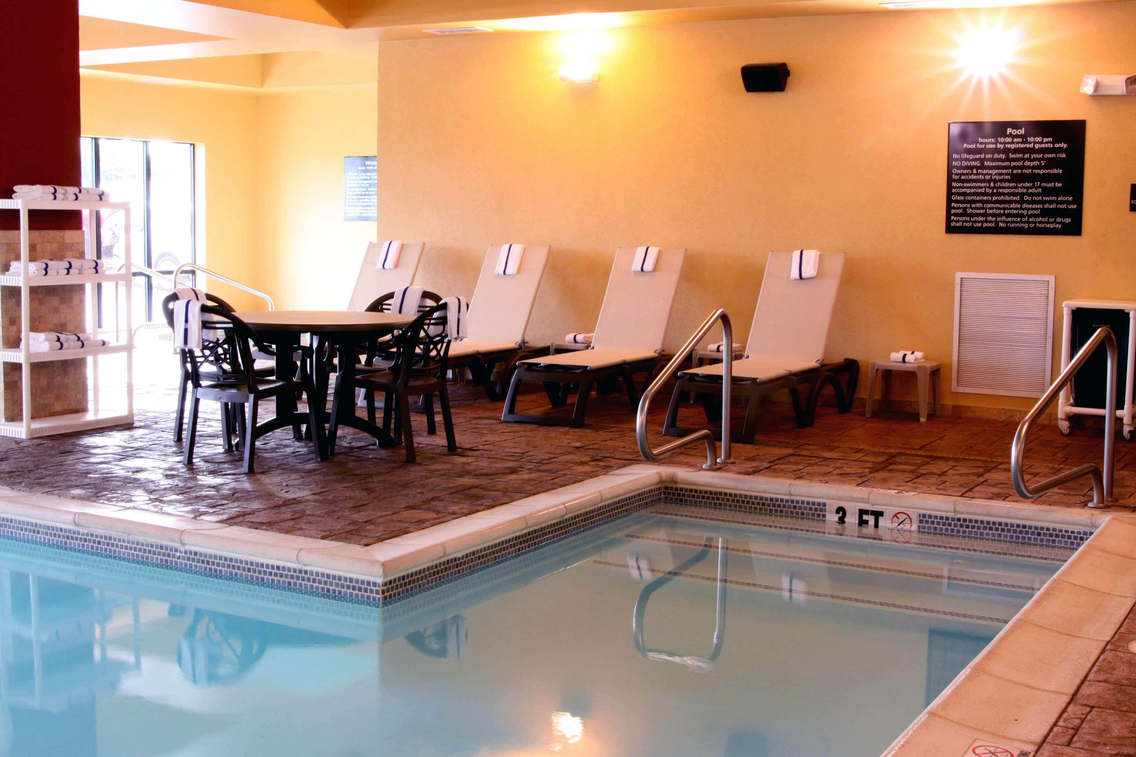 Hampton Inn & Suites Paducah image 7