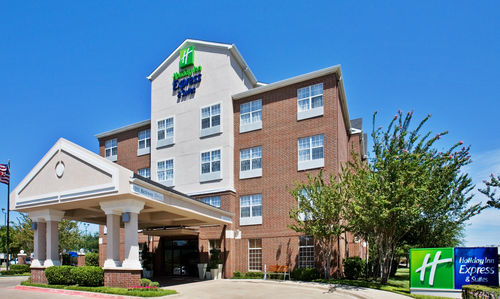 Holiday Inn Express & Suites Dallas-Addison image 3