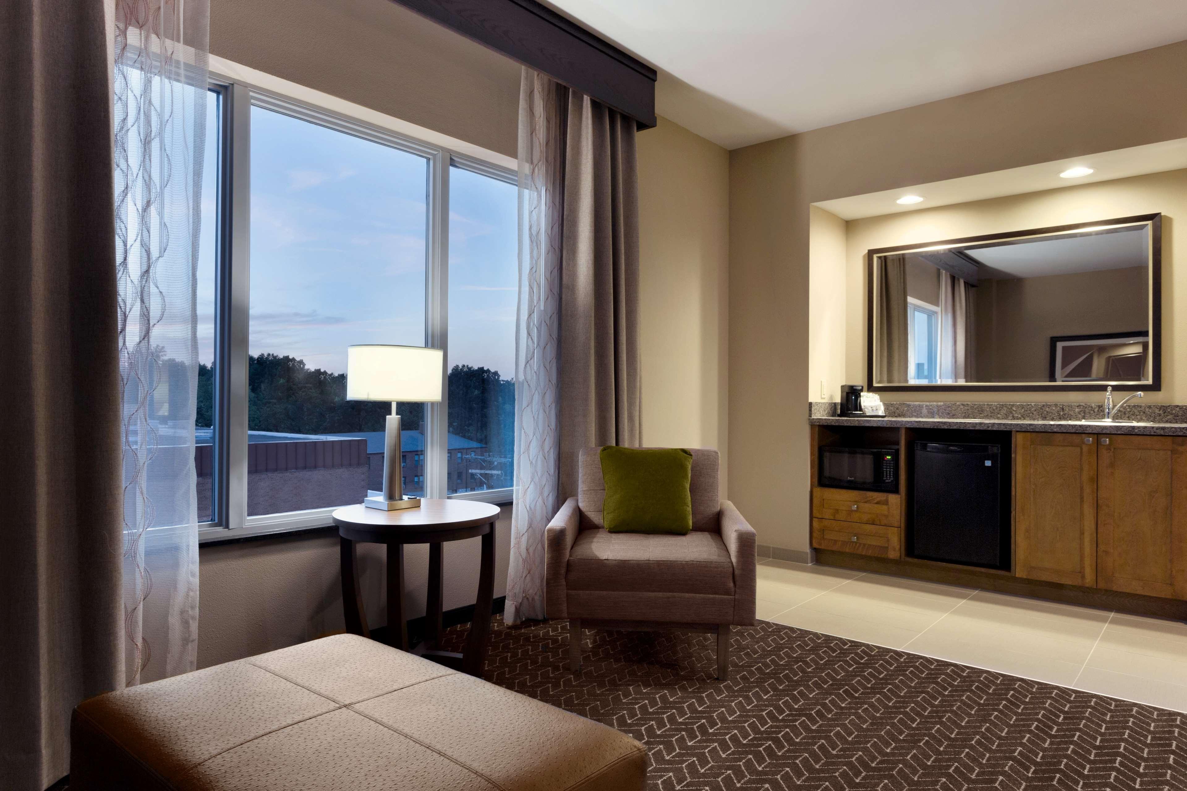 Hampton Inn and Suites Clayton/St Louis-Galleria Area image 24
