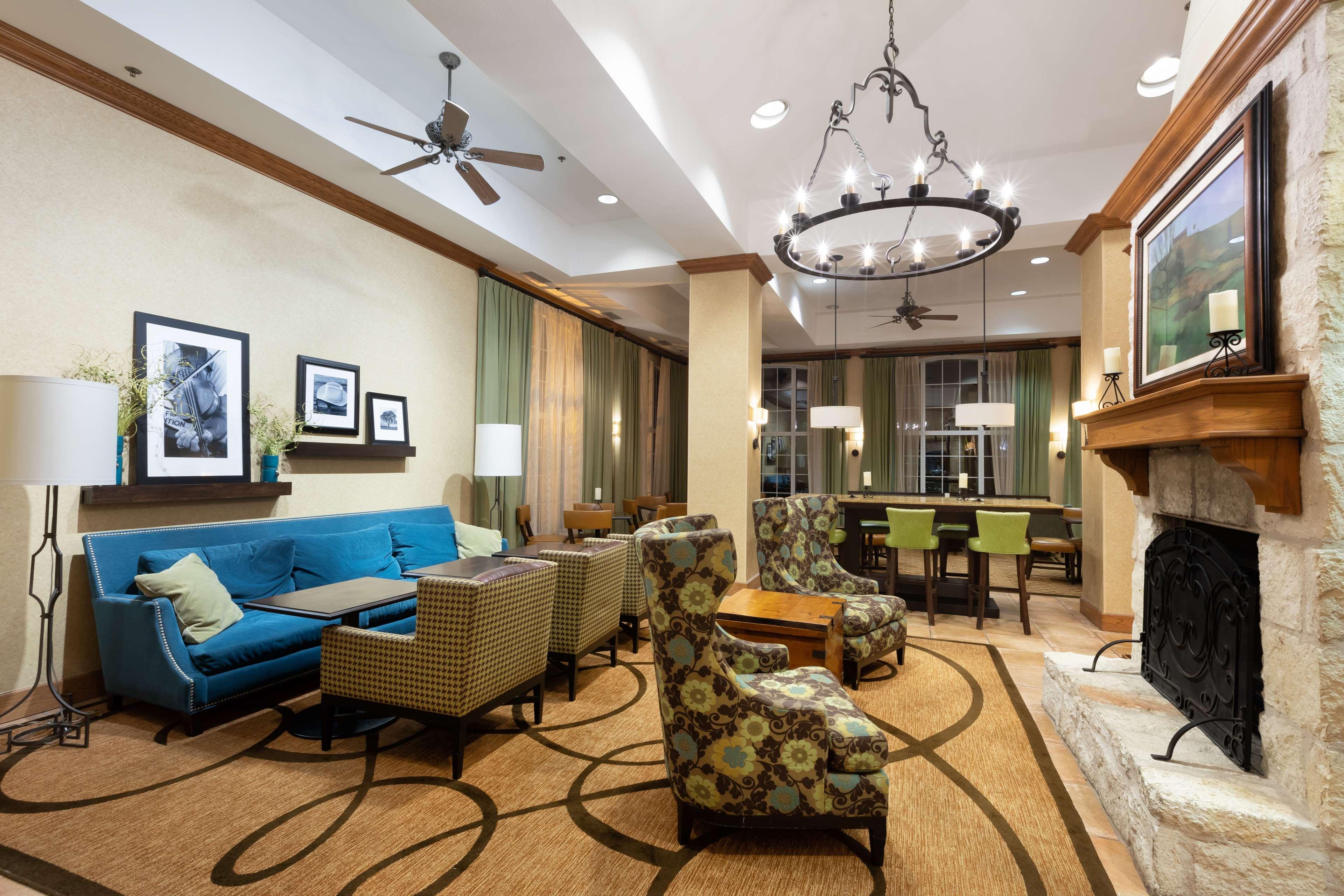 Hampton Inn & Suites Austin-Airport image 14