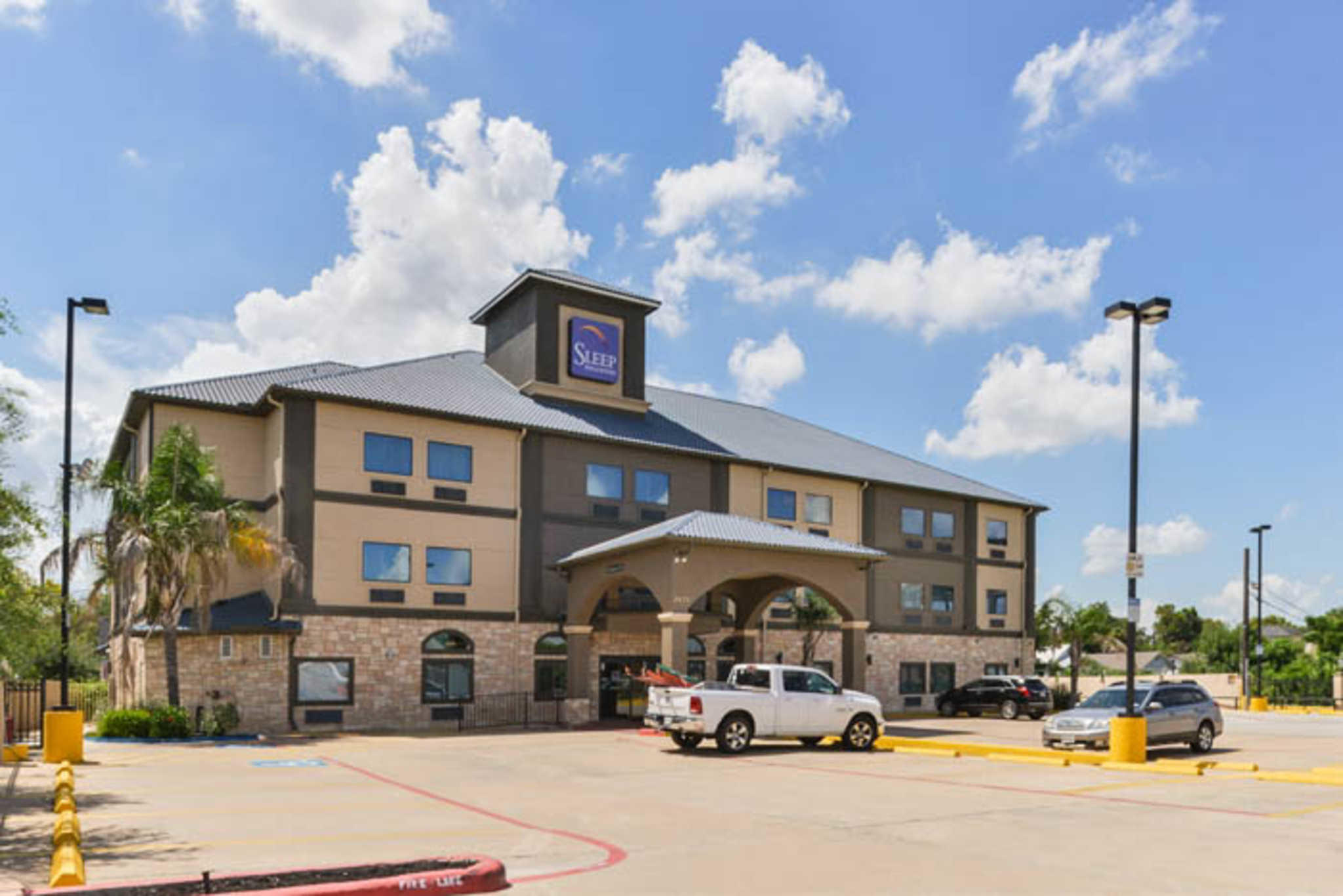 Sleep Inn & Suites Near Downtown North image 4