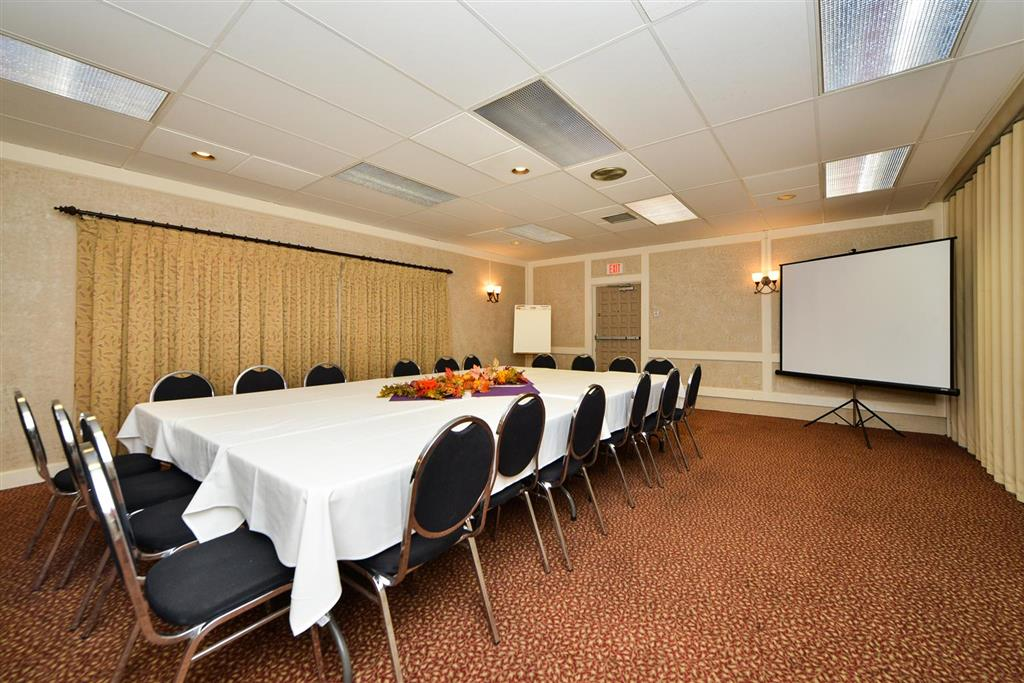 Americas Best Value Inn Albert Lea image 20