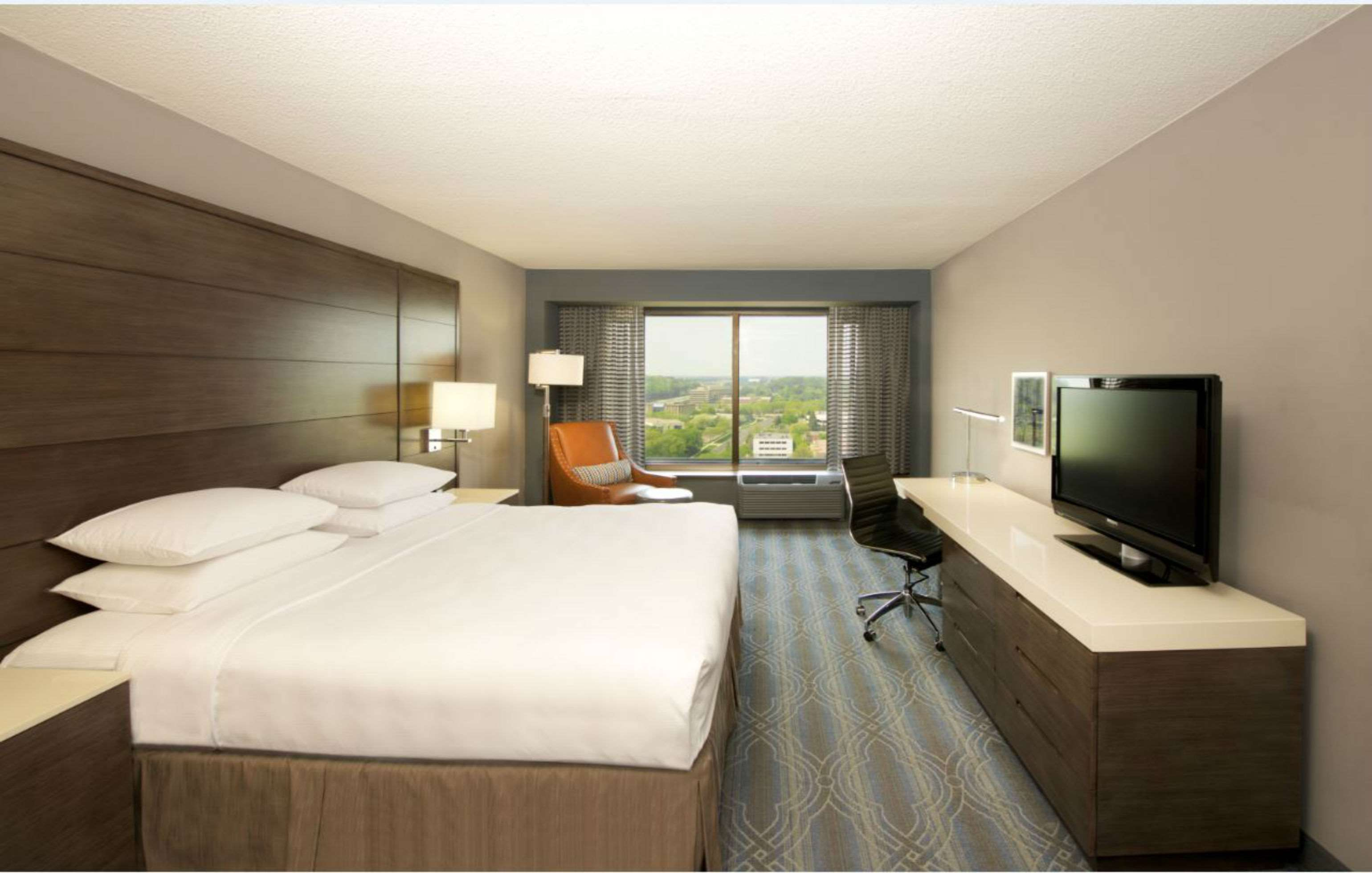DoubleTree by Hilton Hotel Bloomington - Minneapolis South image 9