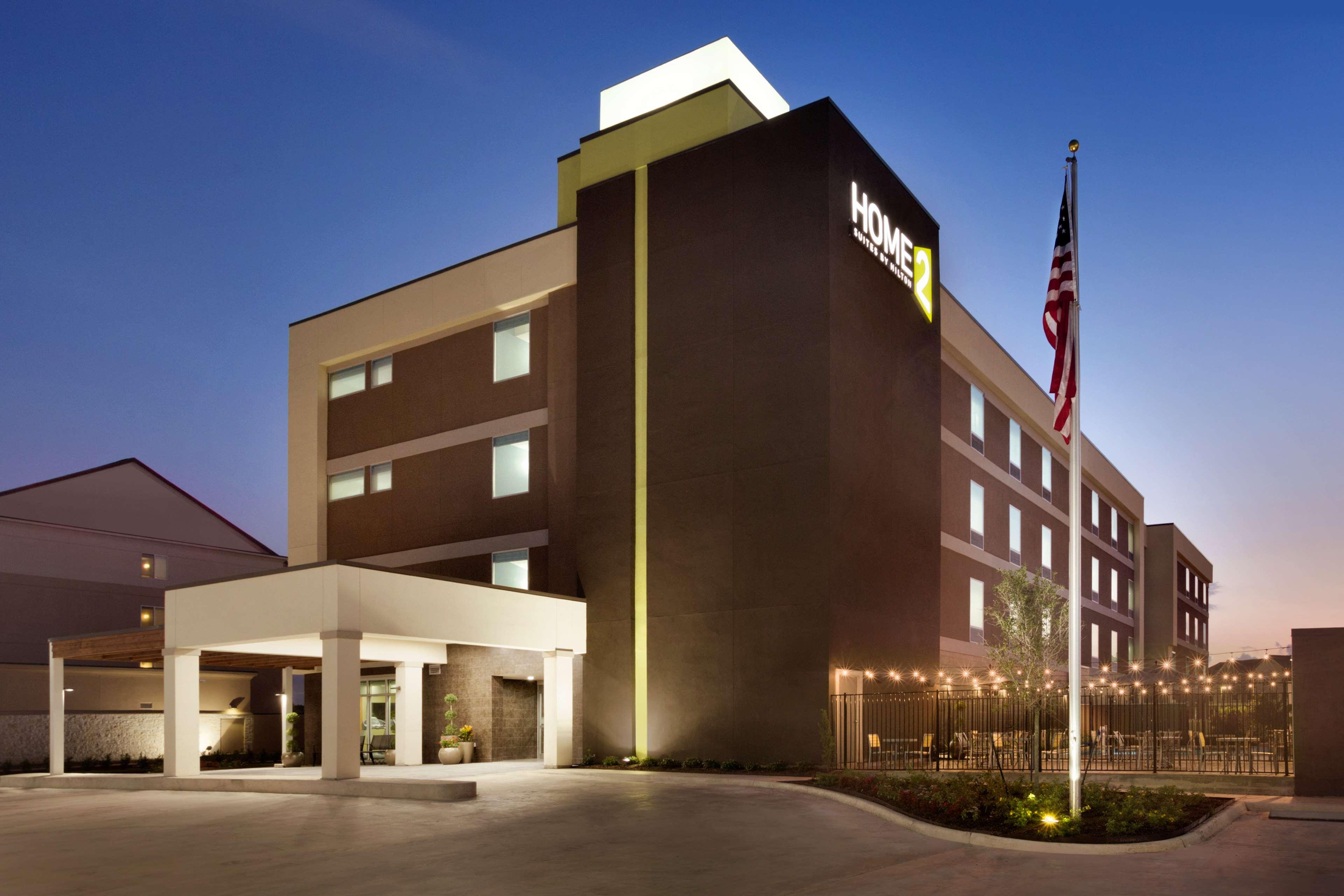 Home2 Suites by Hilton Houston/Webster image 1