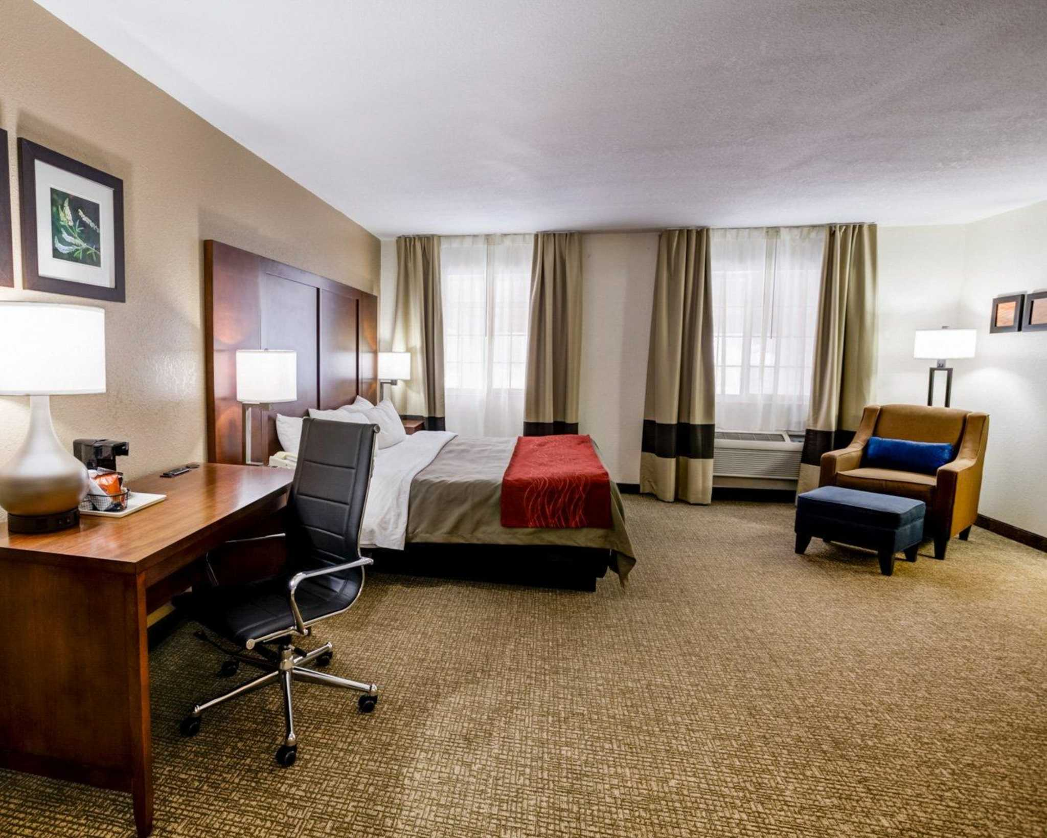 Comfort Inn Kearney - Liberty image 24