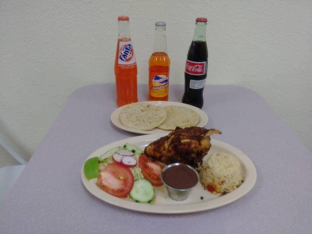 Restaurant & Pupuseria Claudia image 14