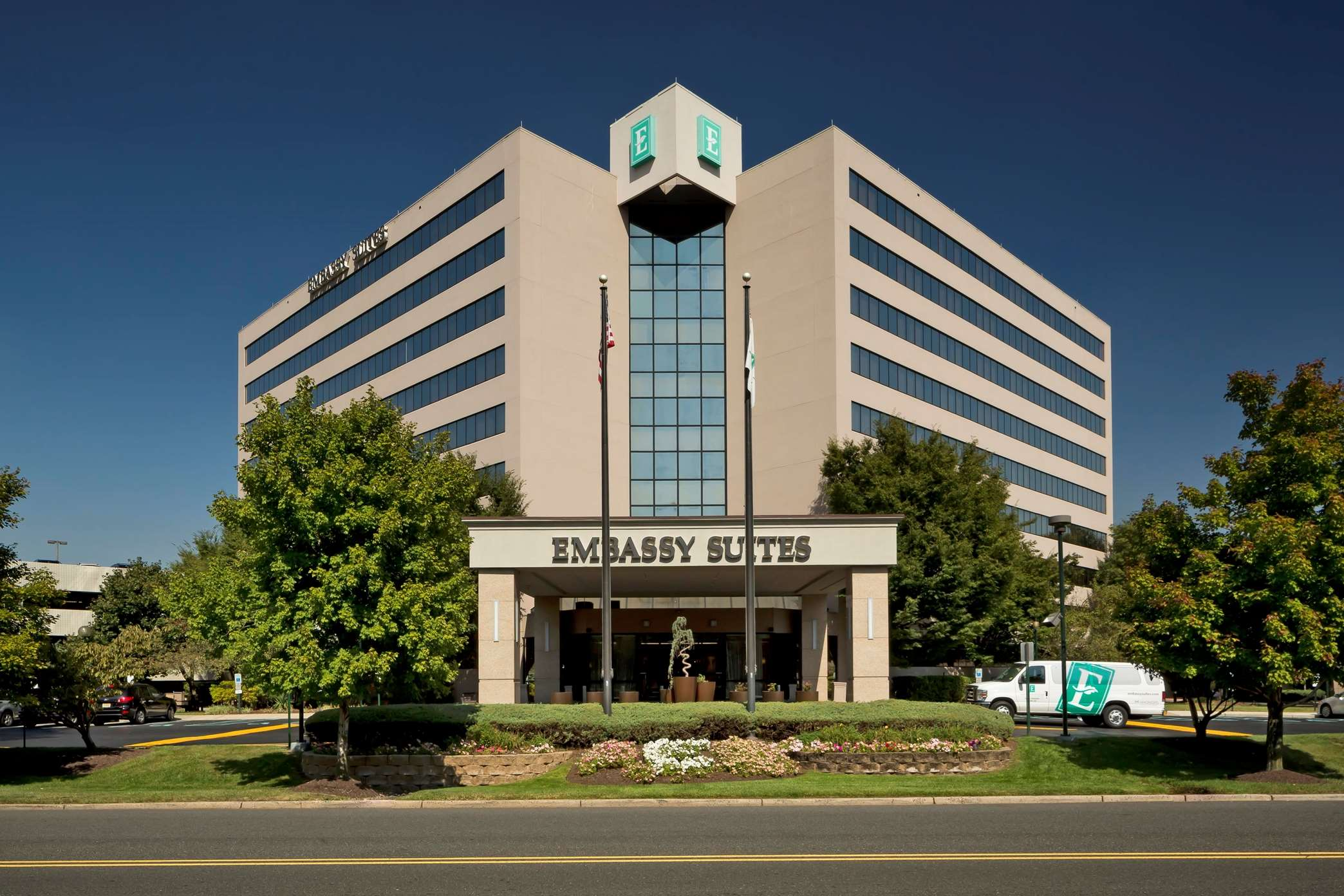 Embassy Suites by Hilton Secaucus Meadowlands image 0
