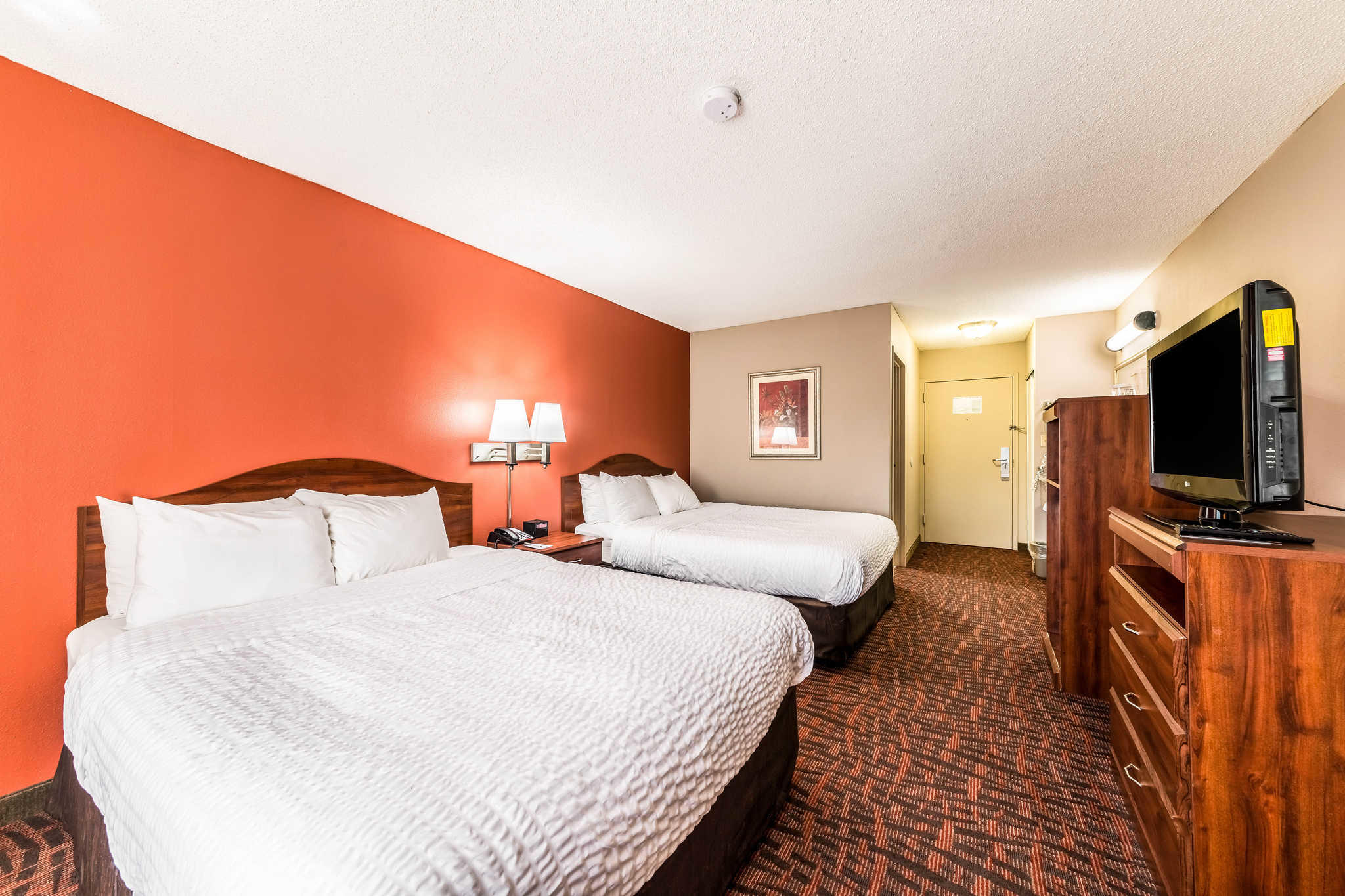 Clarion Inn & Suites image 14