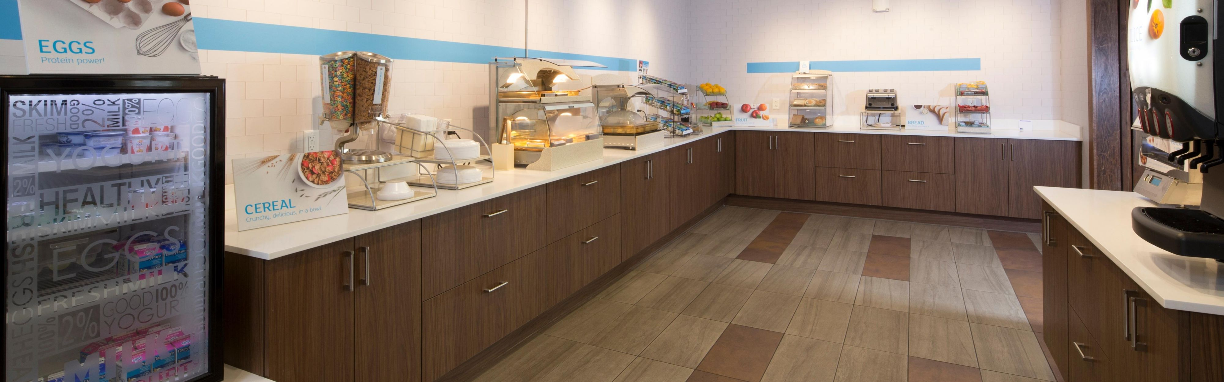 Holiday Inn Express & Suites Alpena - Downtown image 3