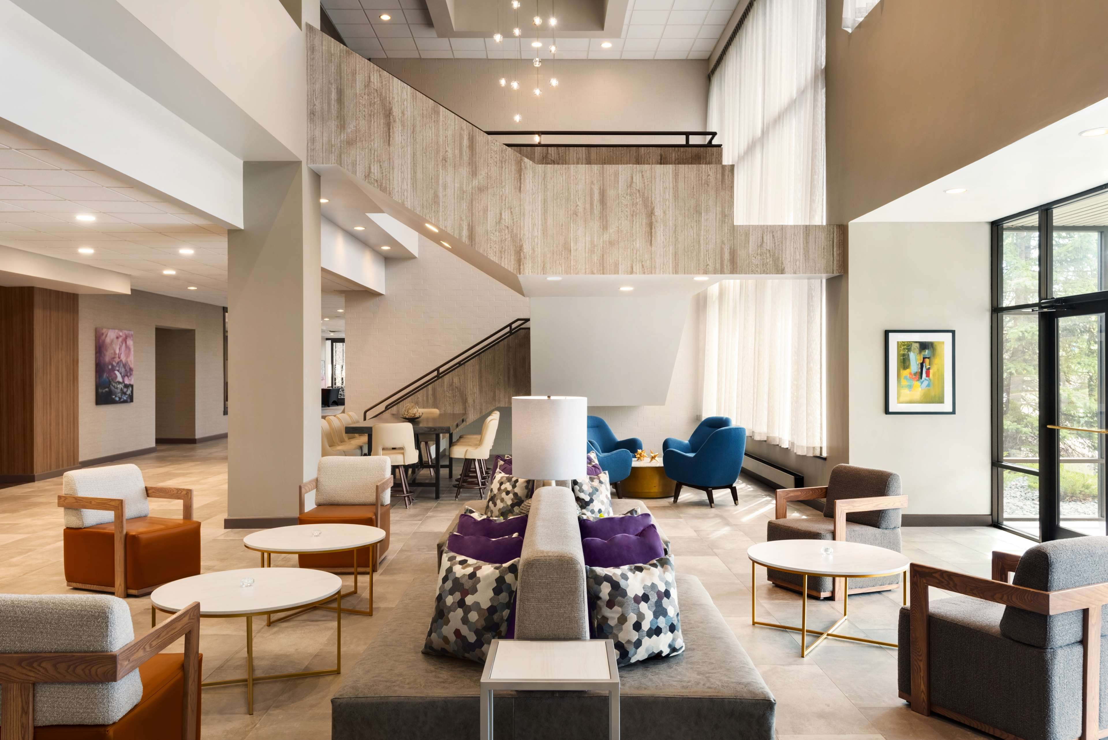 DoubleTree by Hilton St. Paul East image 2
