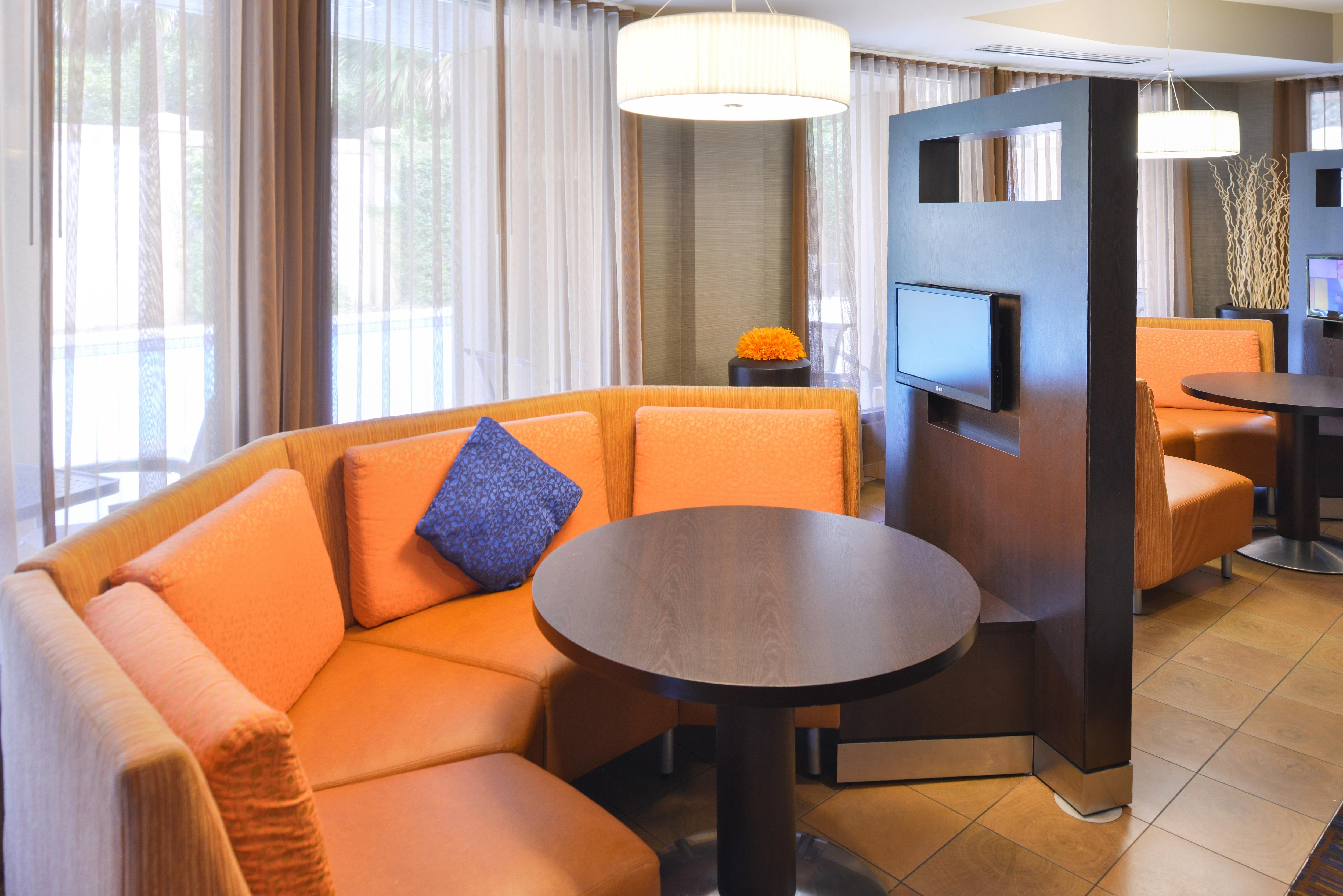 Courtyard by Marriott Tampa North/I-75 Fletcher image 8