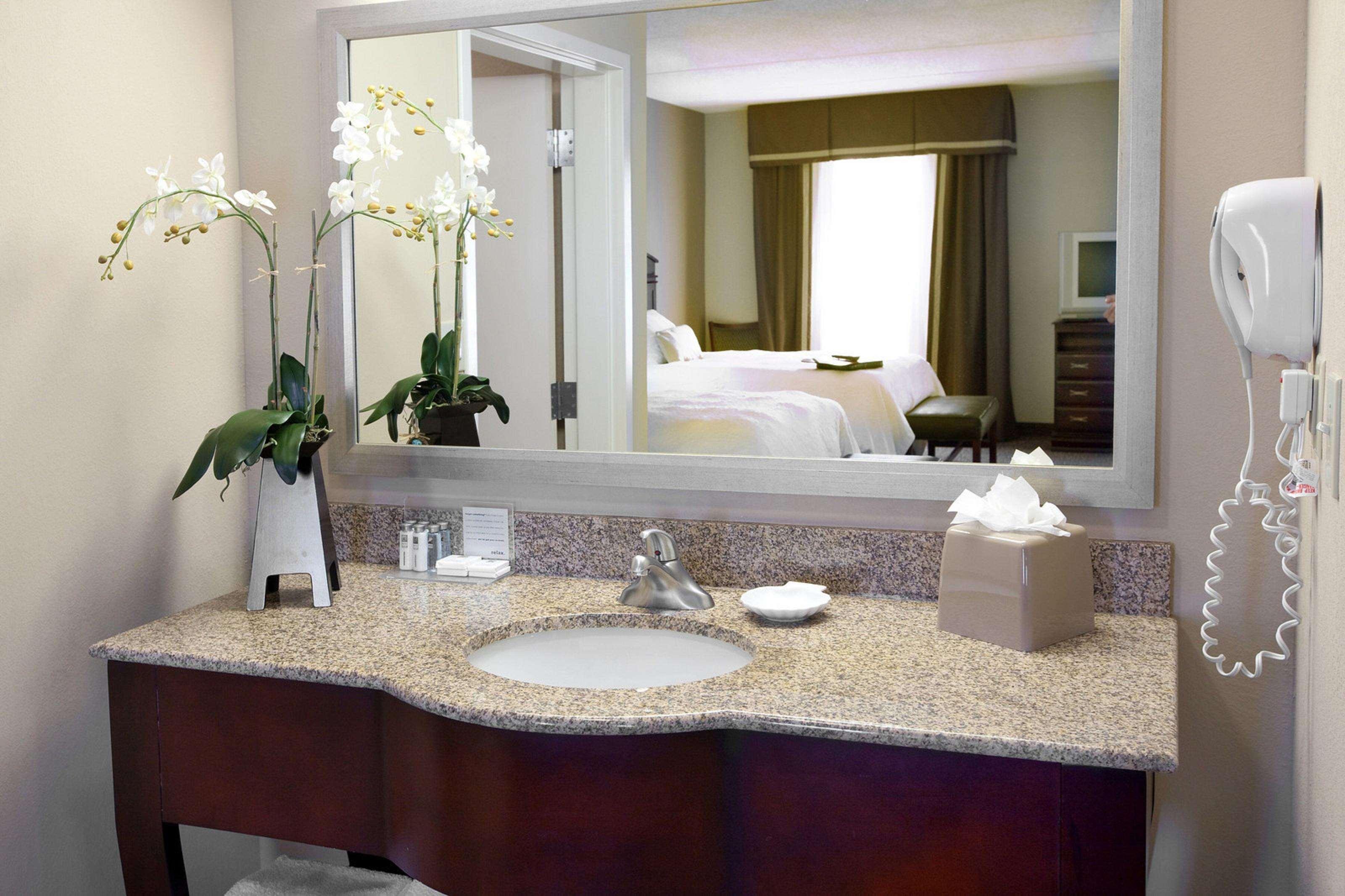 Hampton Inn & Suites Burlington image 25