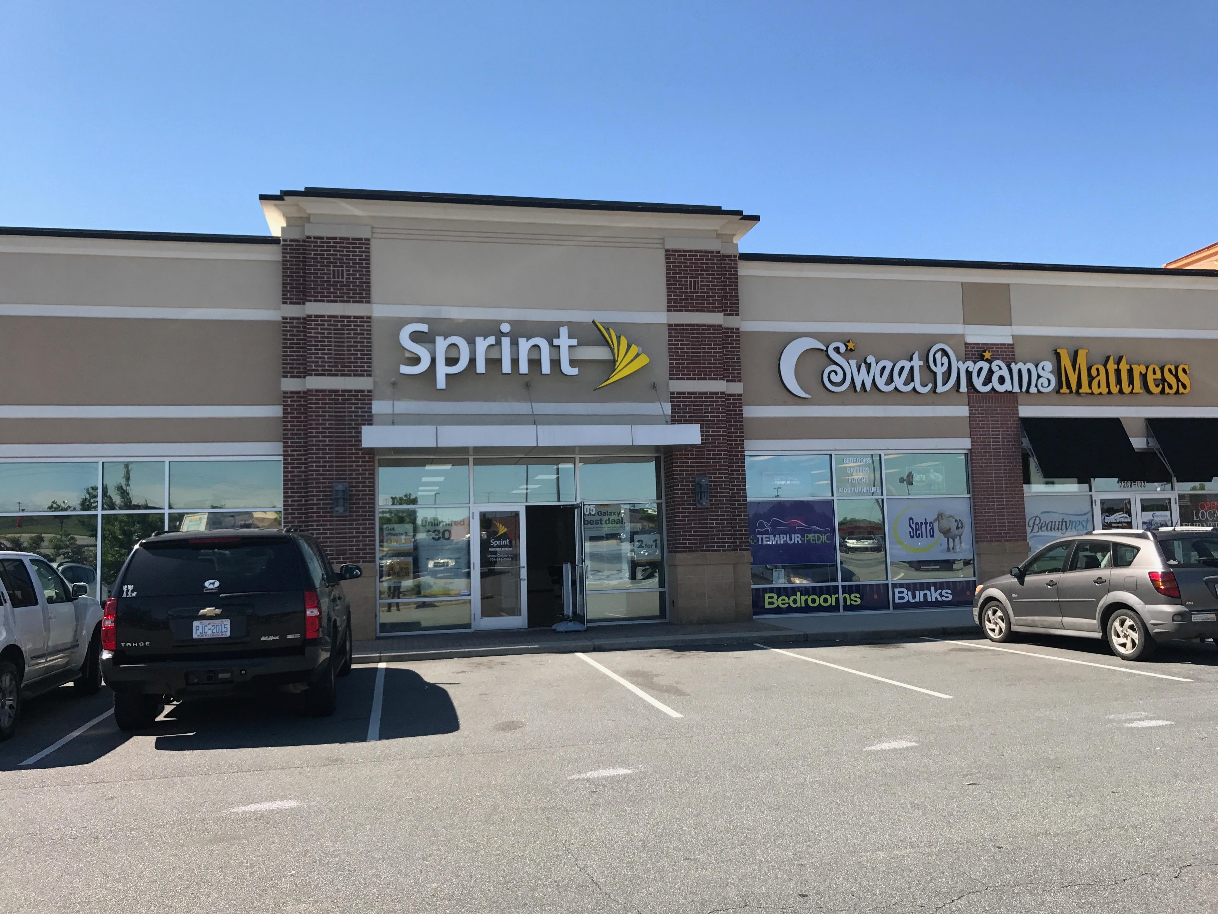 Sprint Store image 5