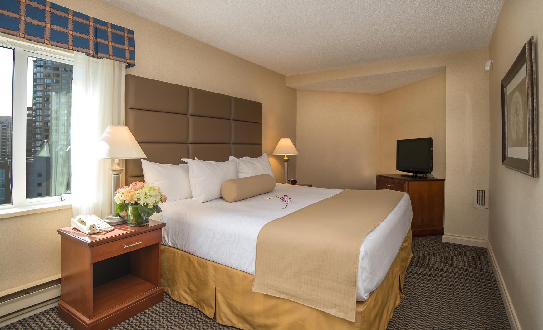 Best Western Plus Chateau Granville Hotel & Suites & Conference Ctr. in Vancouver: King Suite