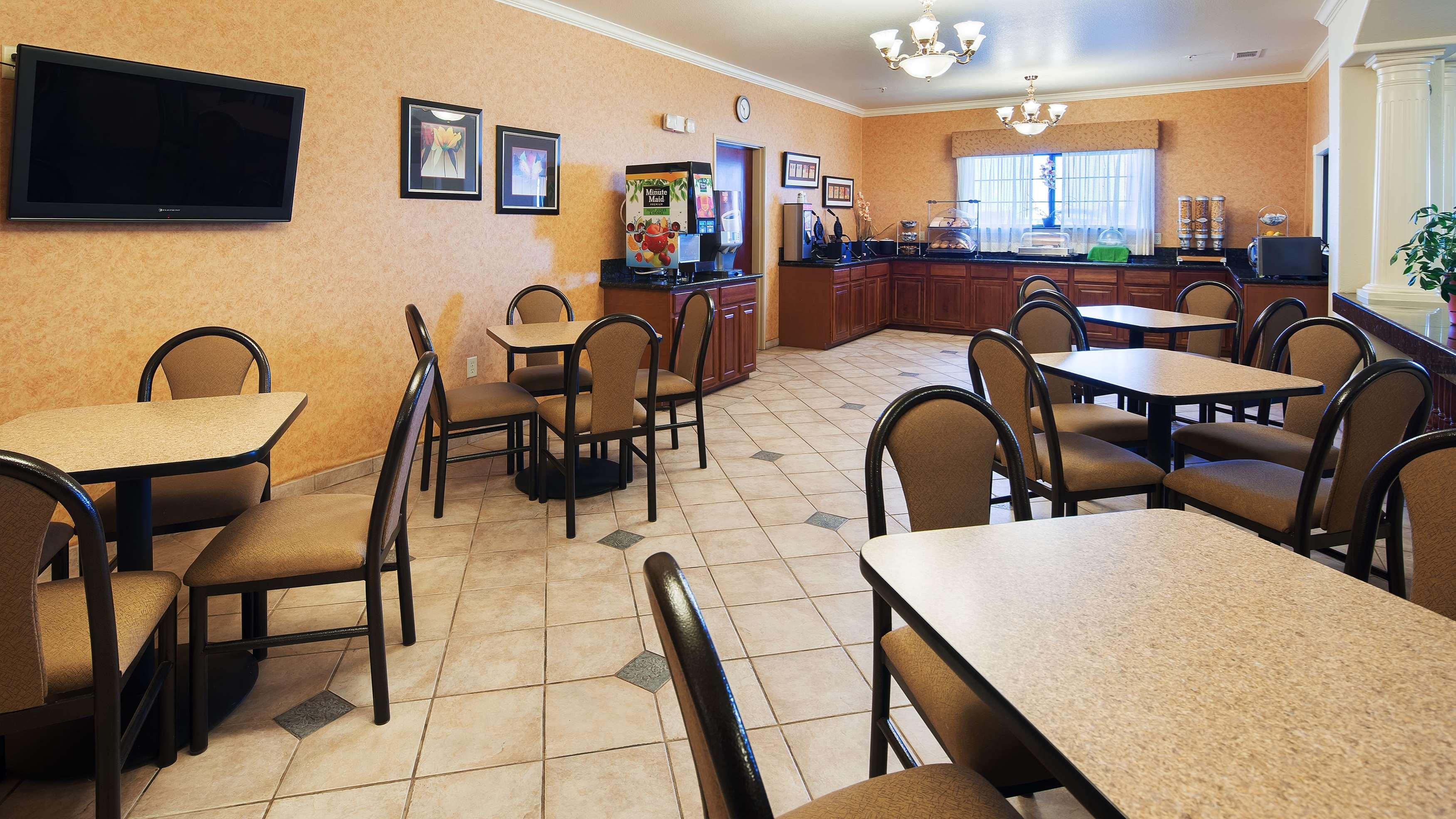 Best Western Henrietta Inn & Suites image 21