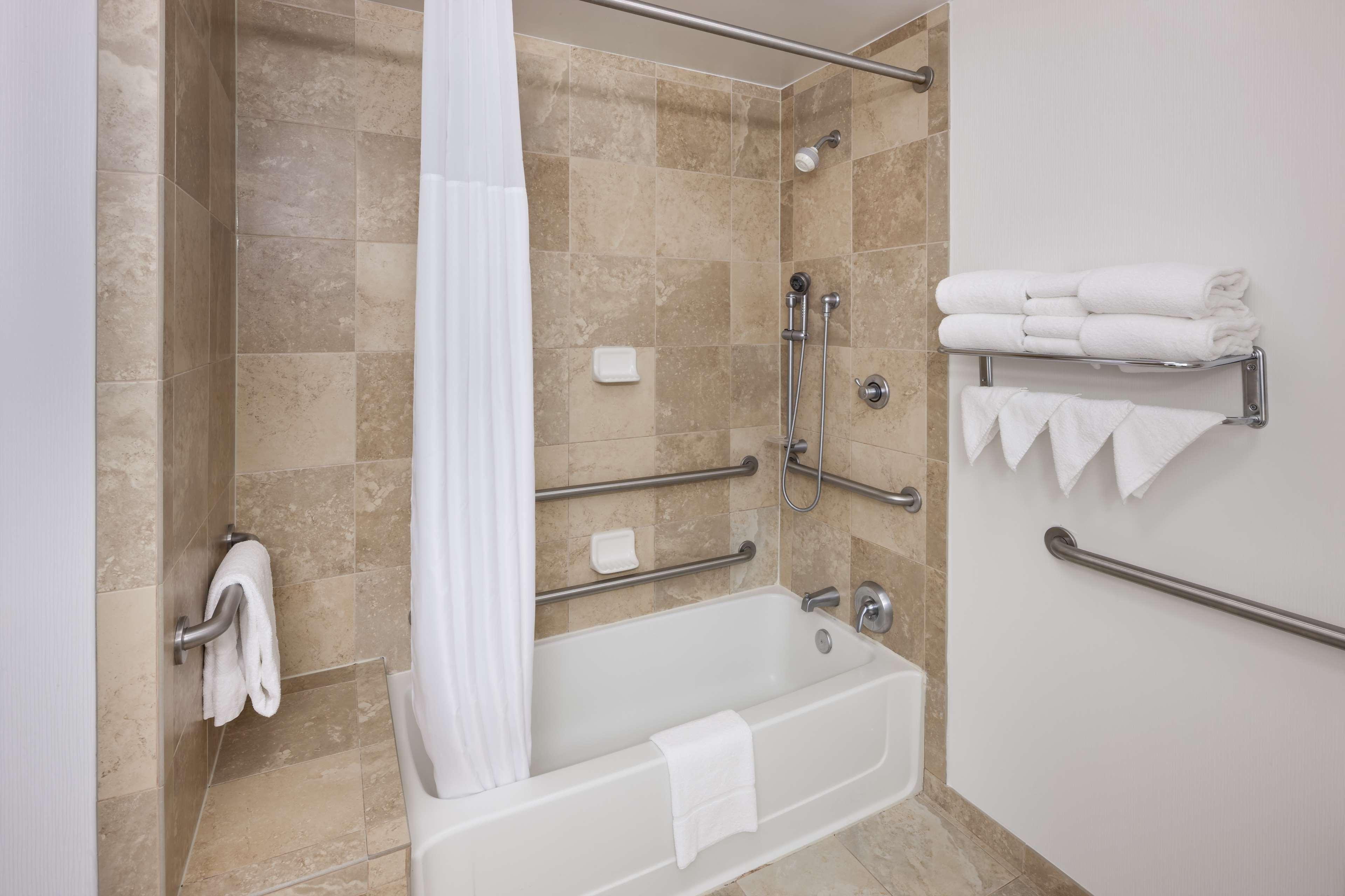 Hampton Inn & Suites Jackson image 20