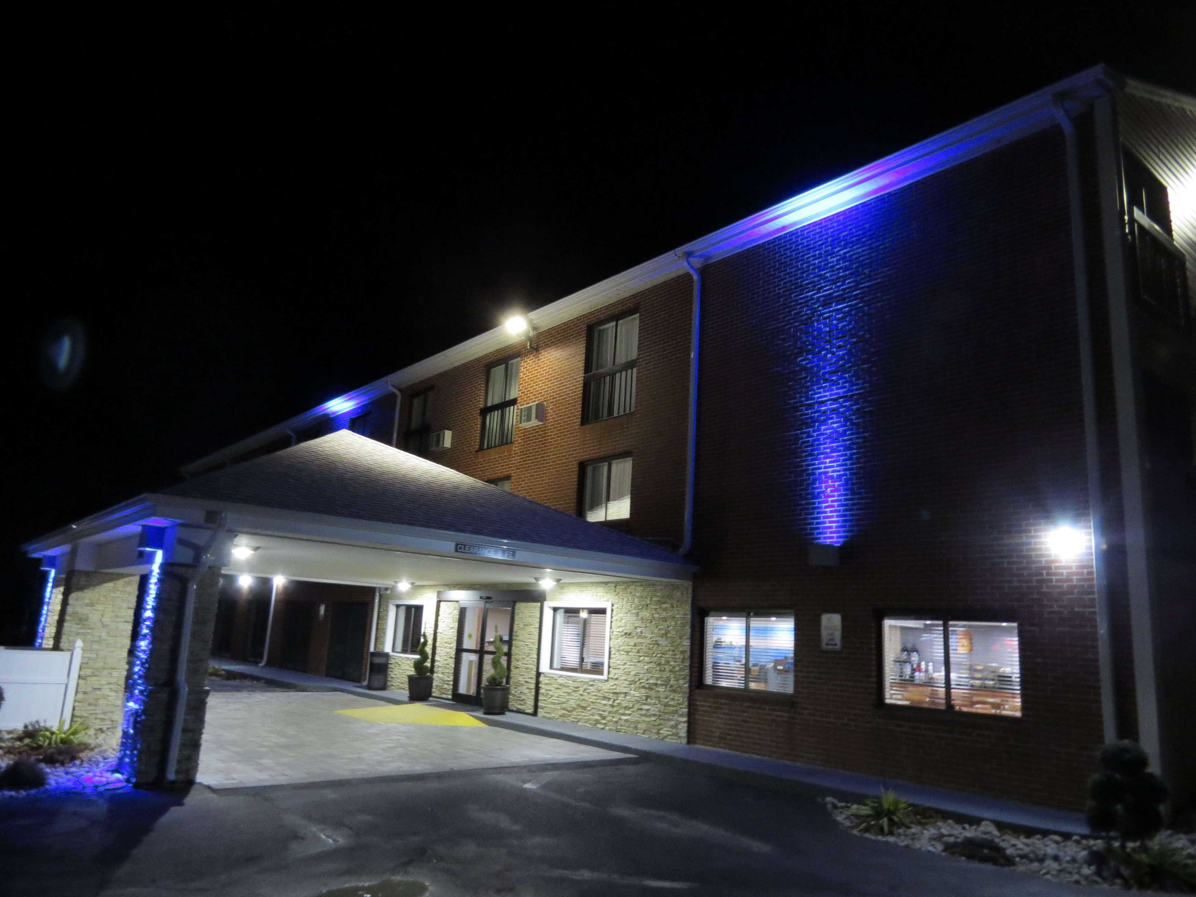 Best Western Cape Cod Hotel image 1