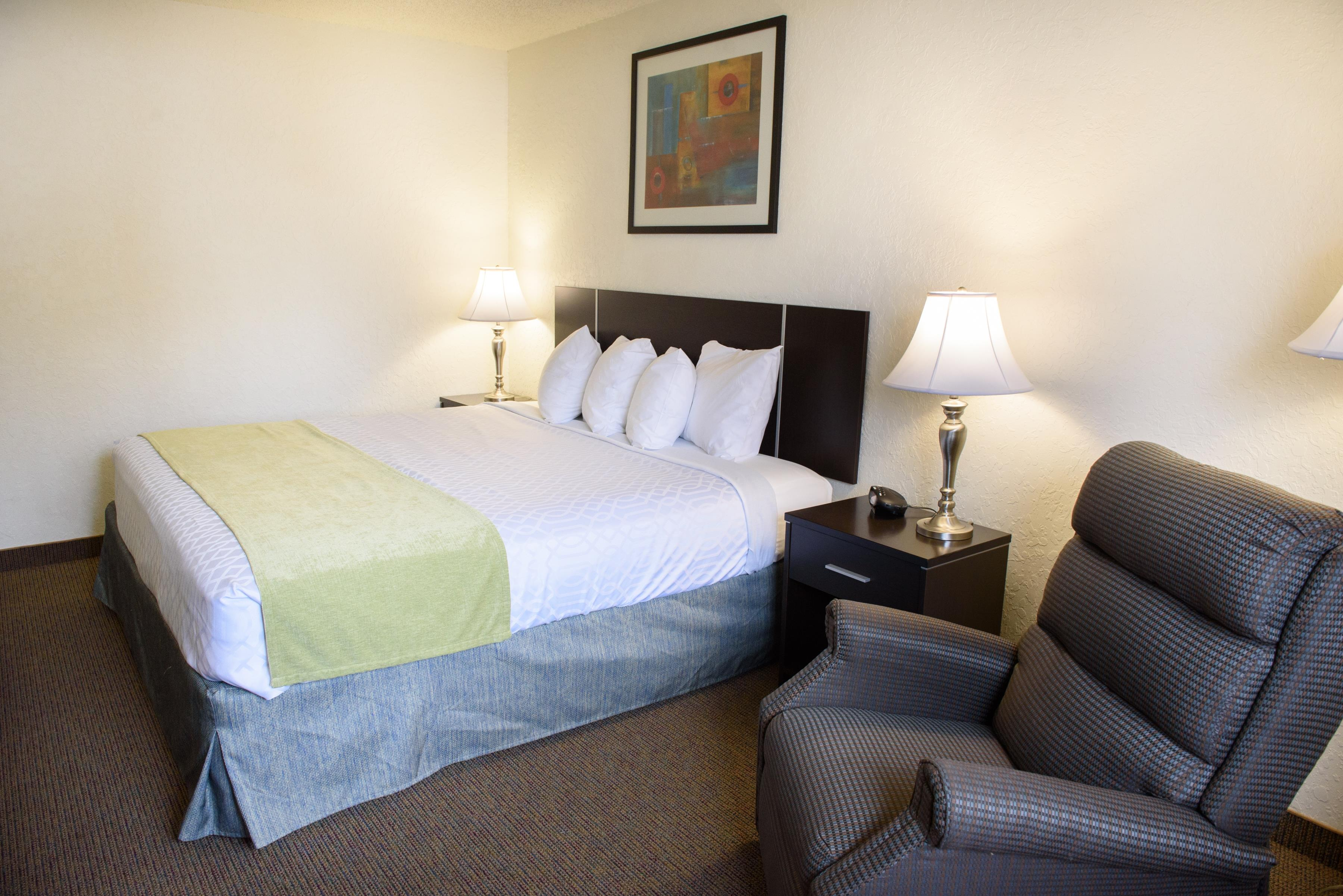 Americas Best Value Inn - New Paltz image 7
