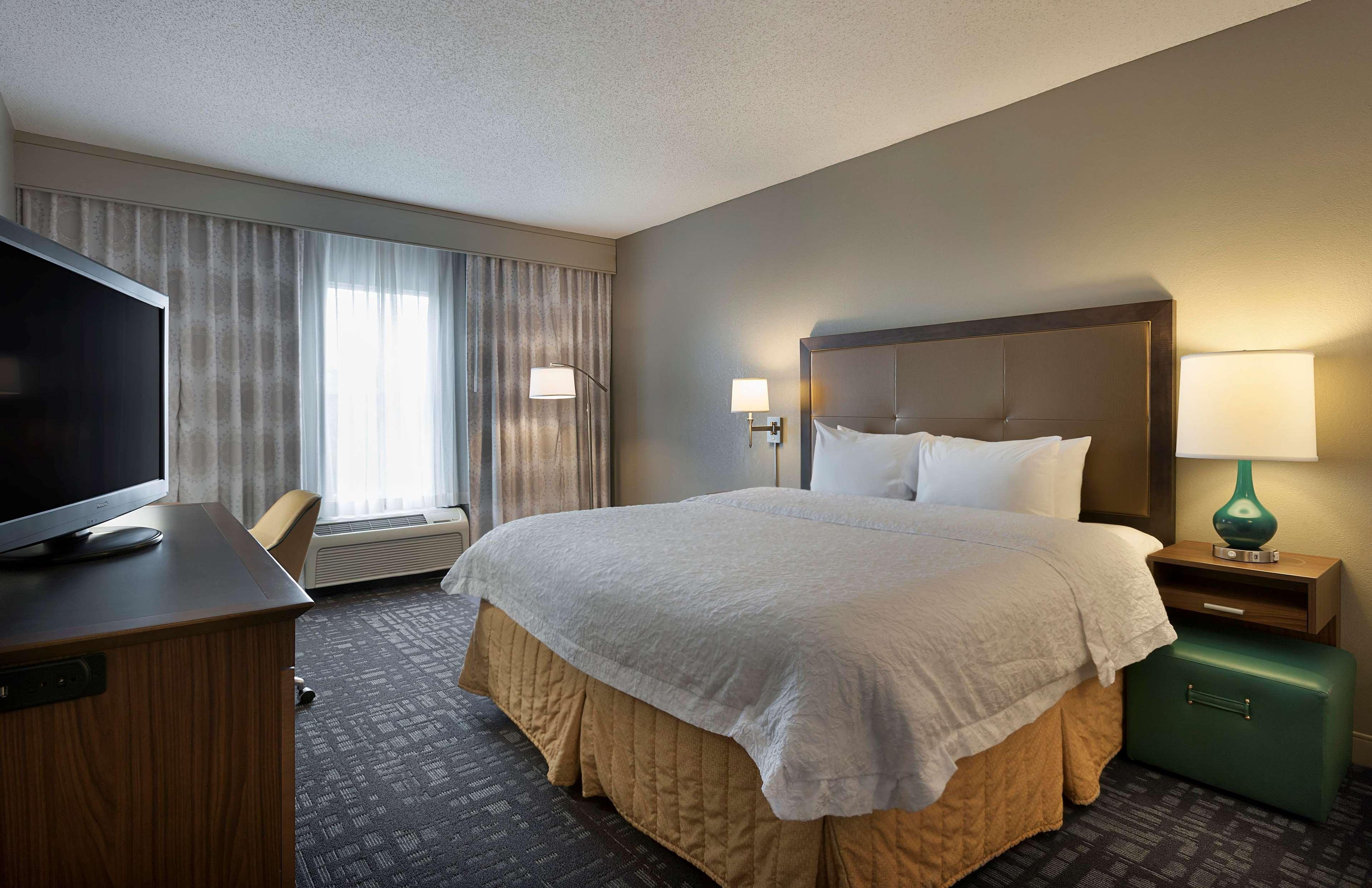 Hampton Inn & Suites Charlotte/Pineville image 23
