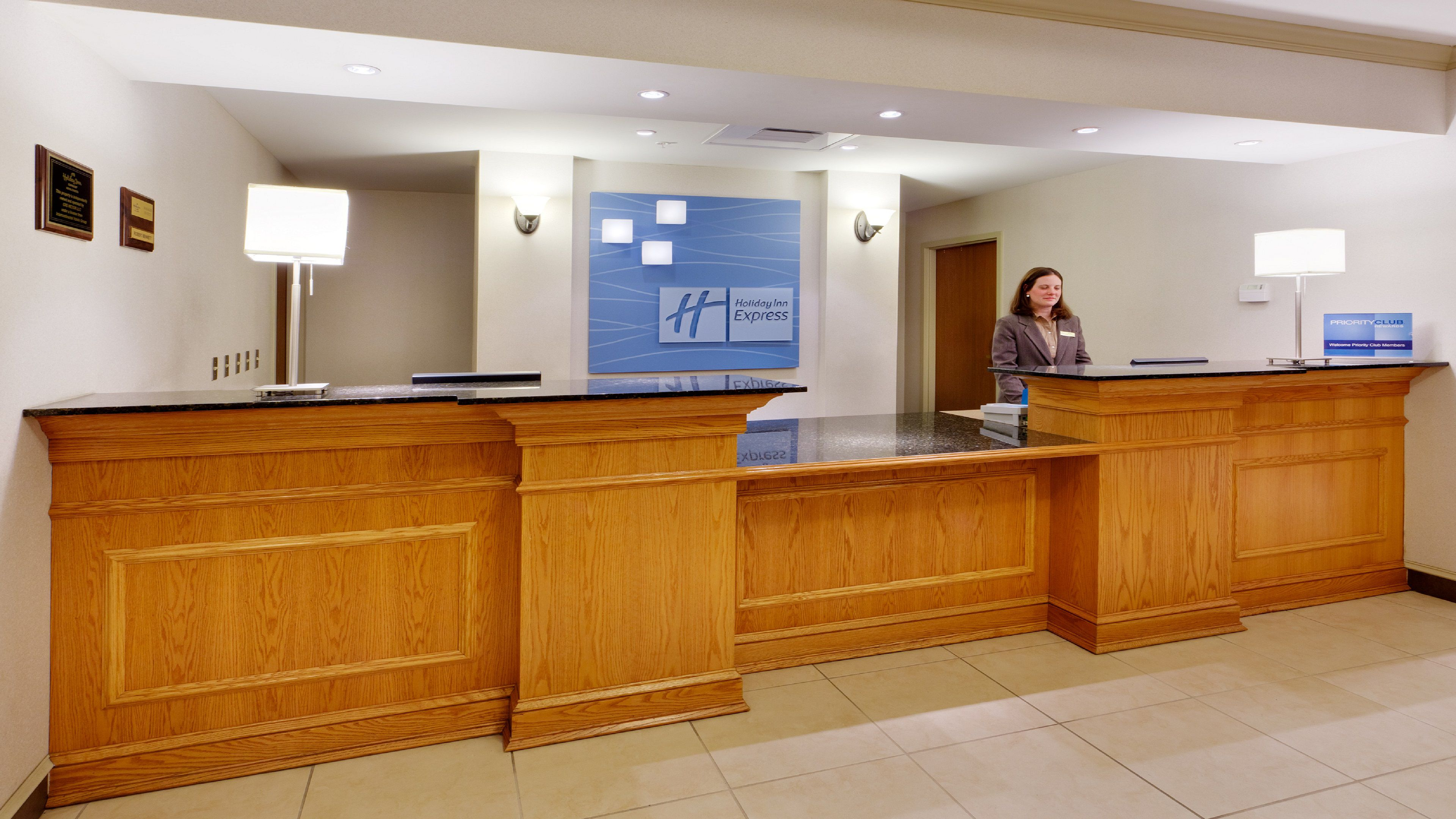 Holiday Inn Express Rochester-Victor image 5