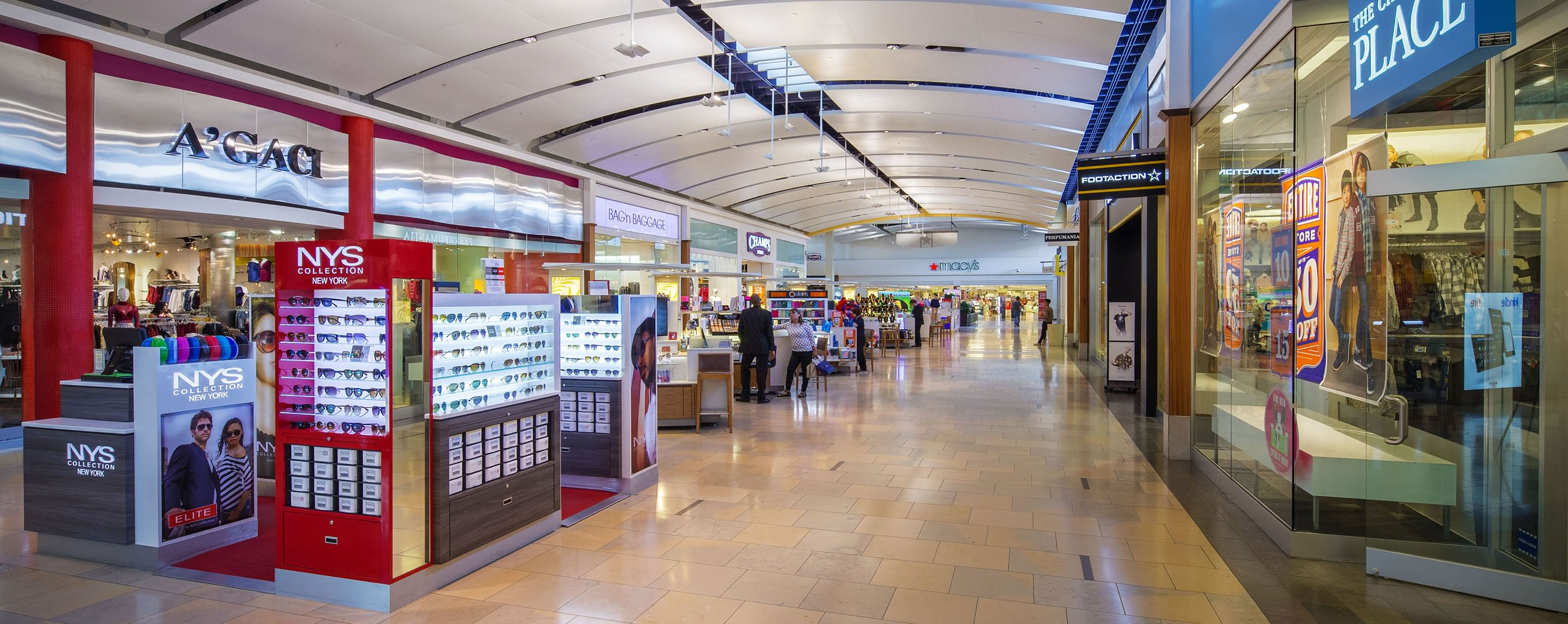 North star mall is one of the best malls San Antonio has to offer. They have everything you could possibly need in a mall from your common stores to your luxurious ones. They have a good selection of foods at the food court along with restaurants like kona grill, cheesecake factory and a new urban bricks/5().