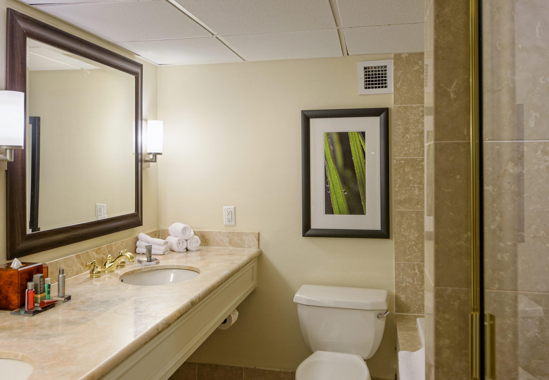 Houston Marriott West Loop by The Galleria image 9