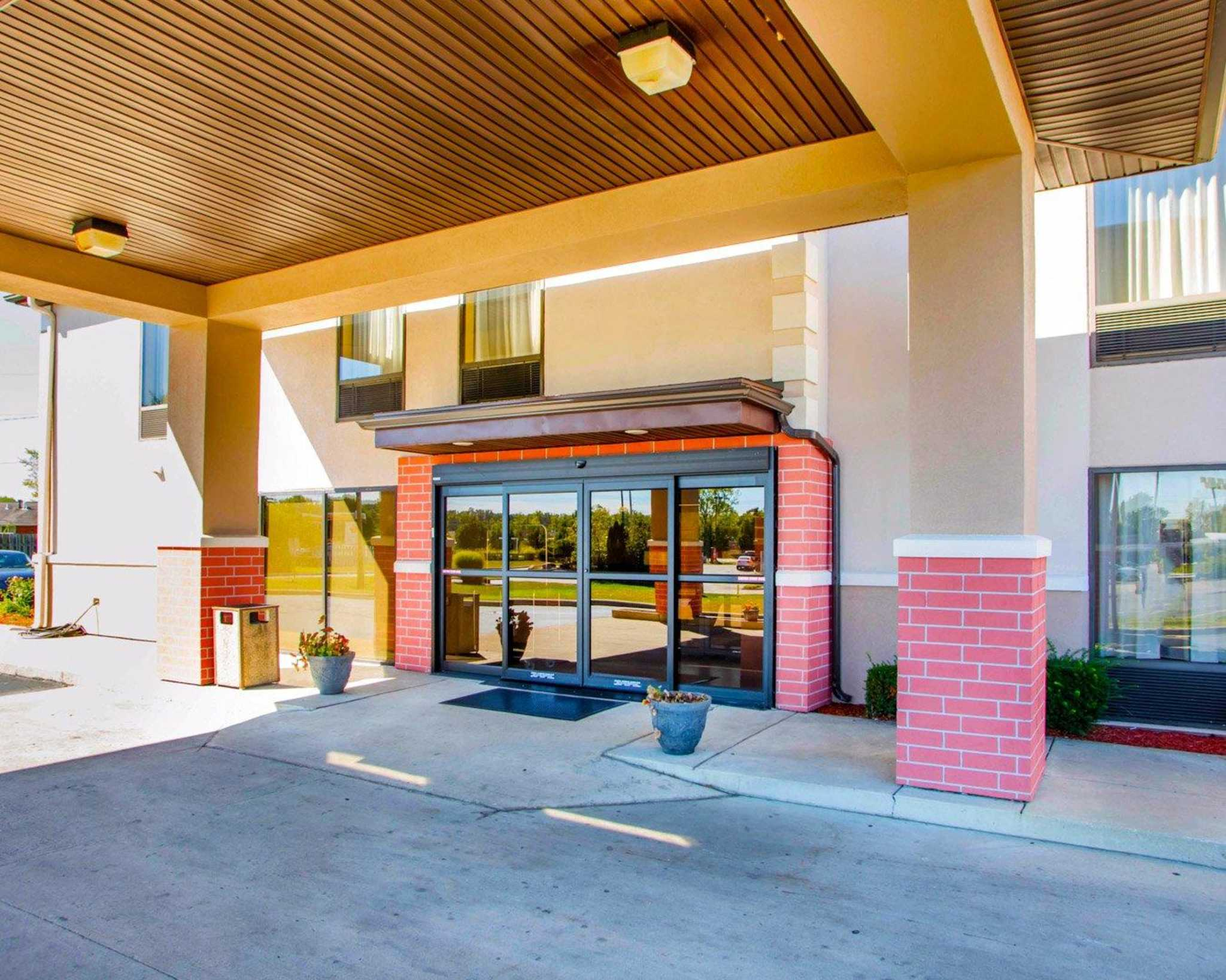 Comfort Inn Dayton - Huber Heights image 4