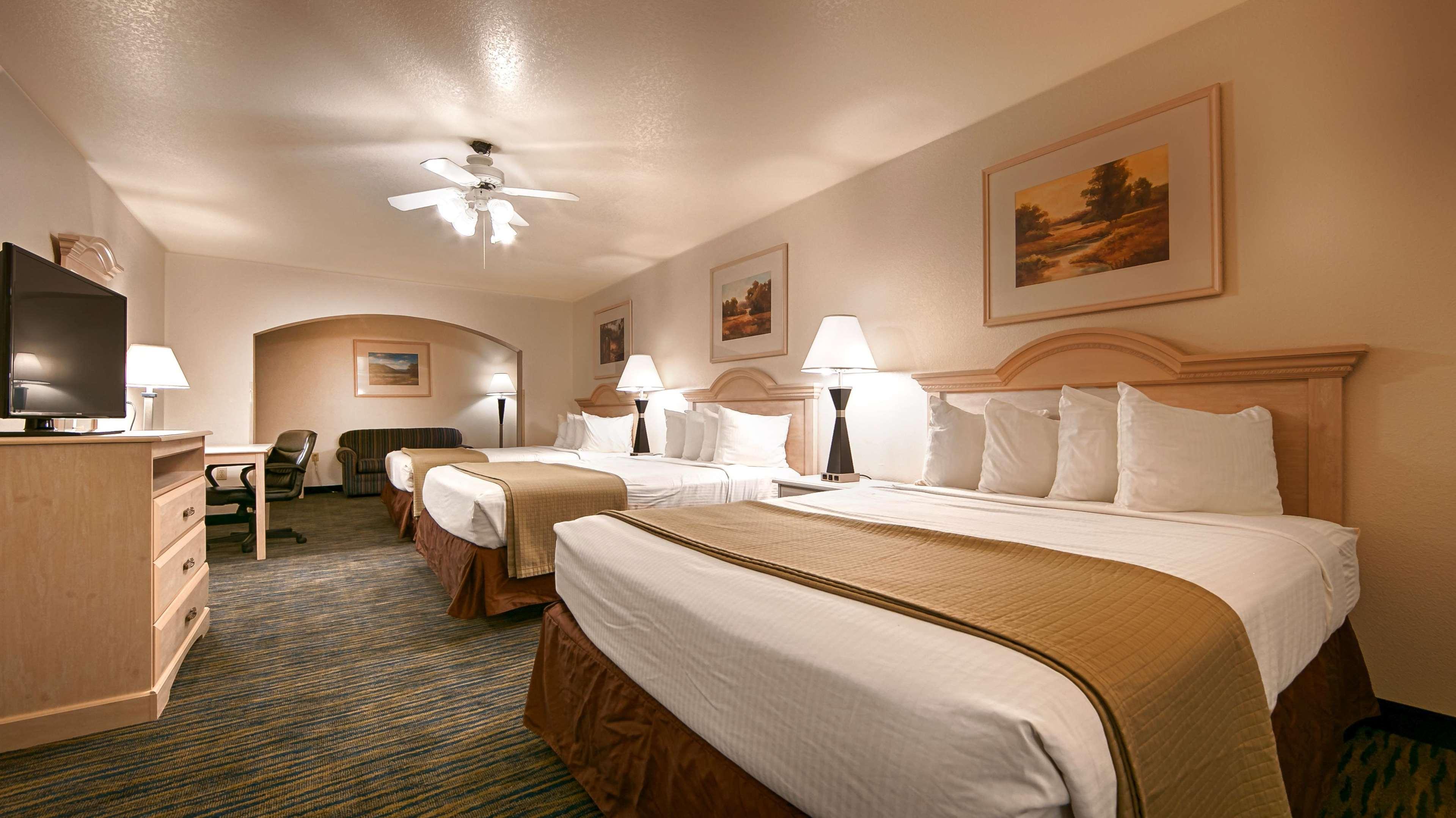 SureStay Hotel by Best Western Falfurrias image 34