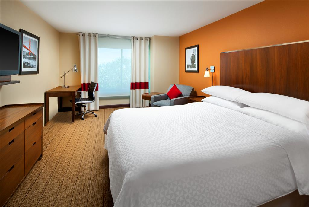 Four Points by Sheraton Hotel & Suites San Francisco Airport image 3