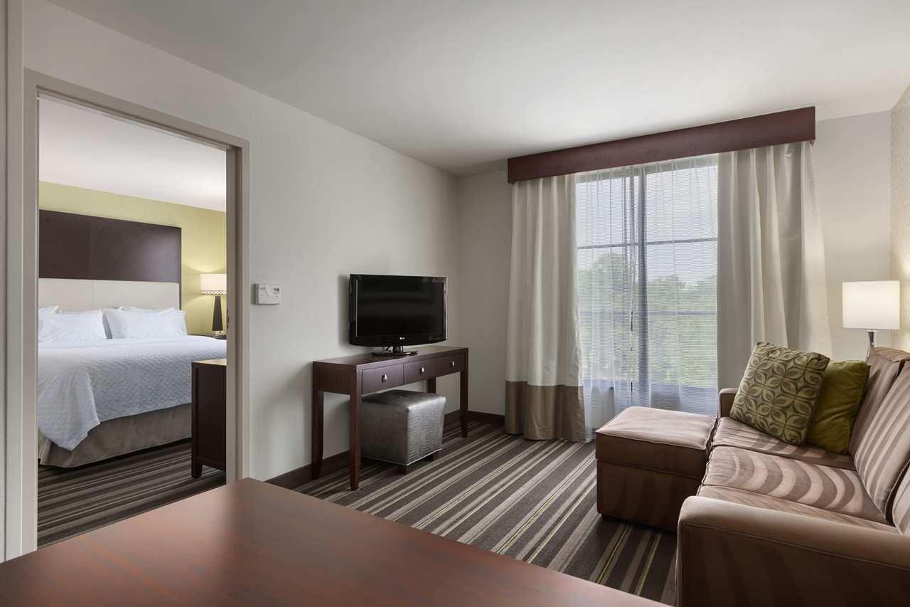 Embassy Suites by Hilton Savannah Airport image 12
