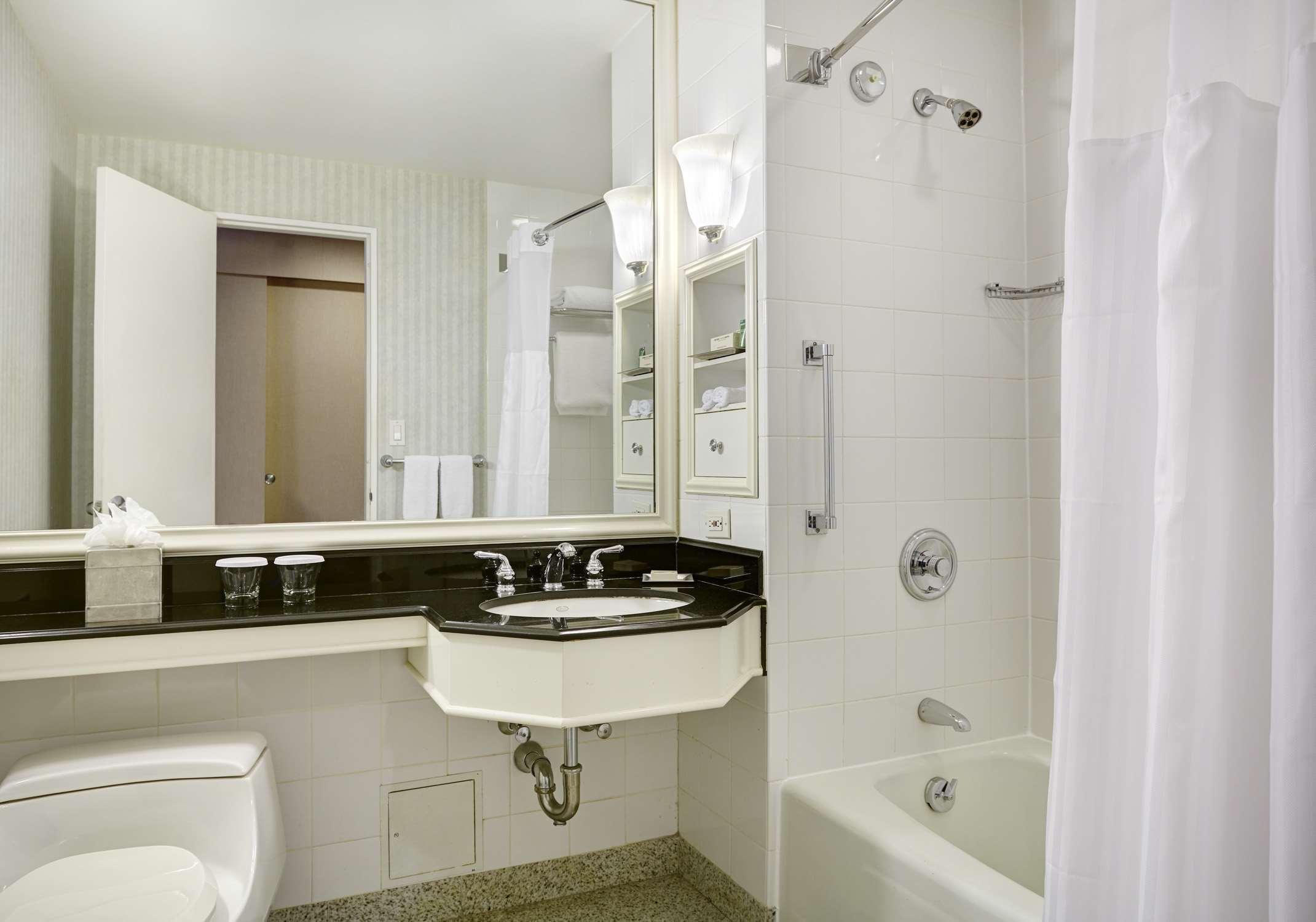 New York Hilton Midtown image 25