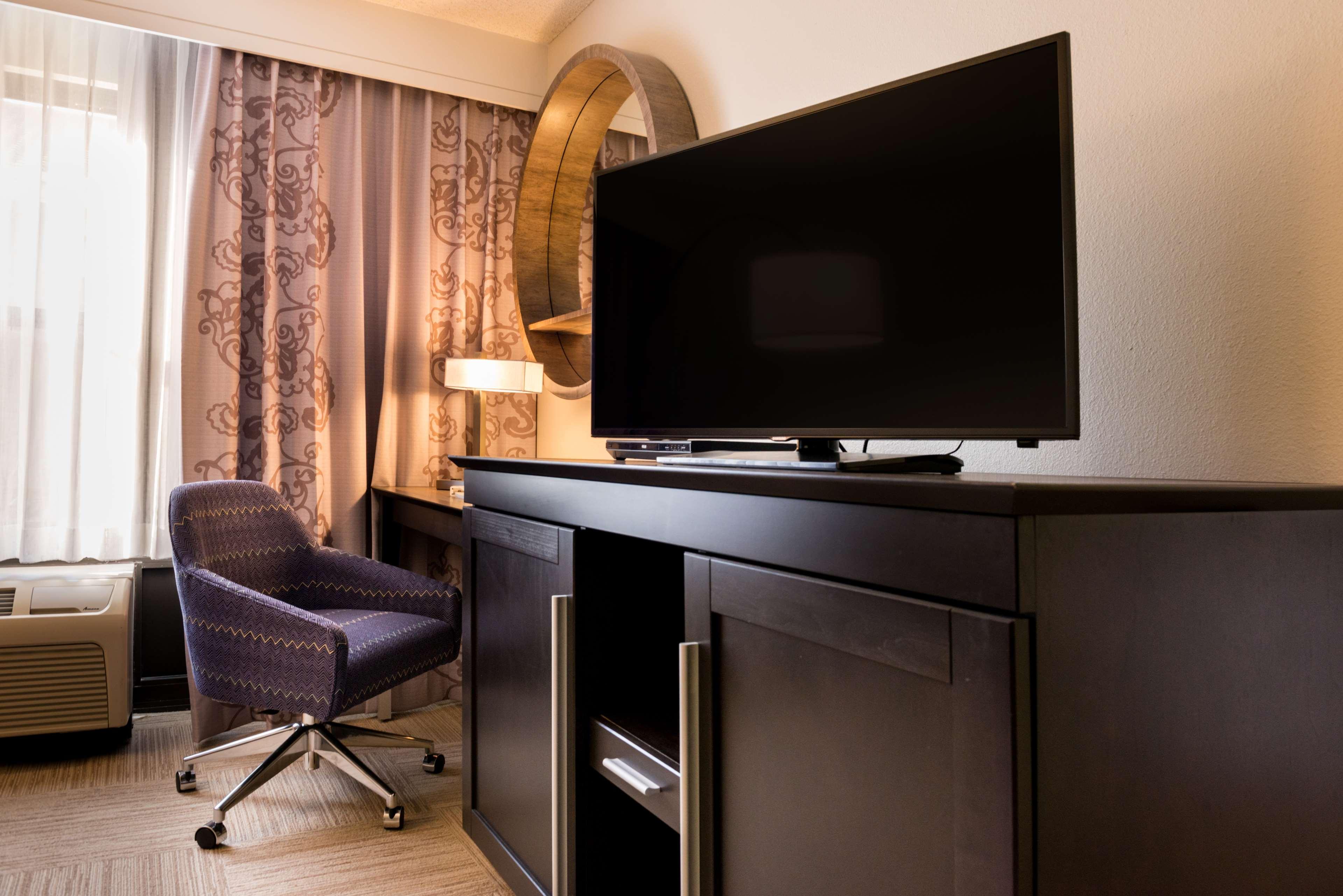 Hampton Inn & Suites Orlando/East UCF Area image 16