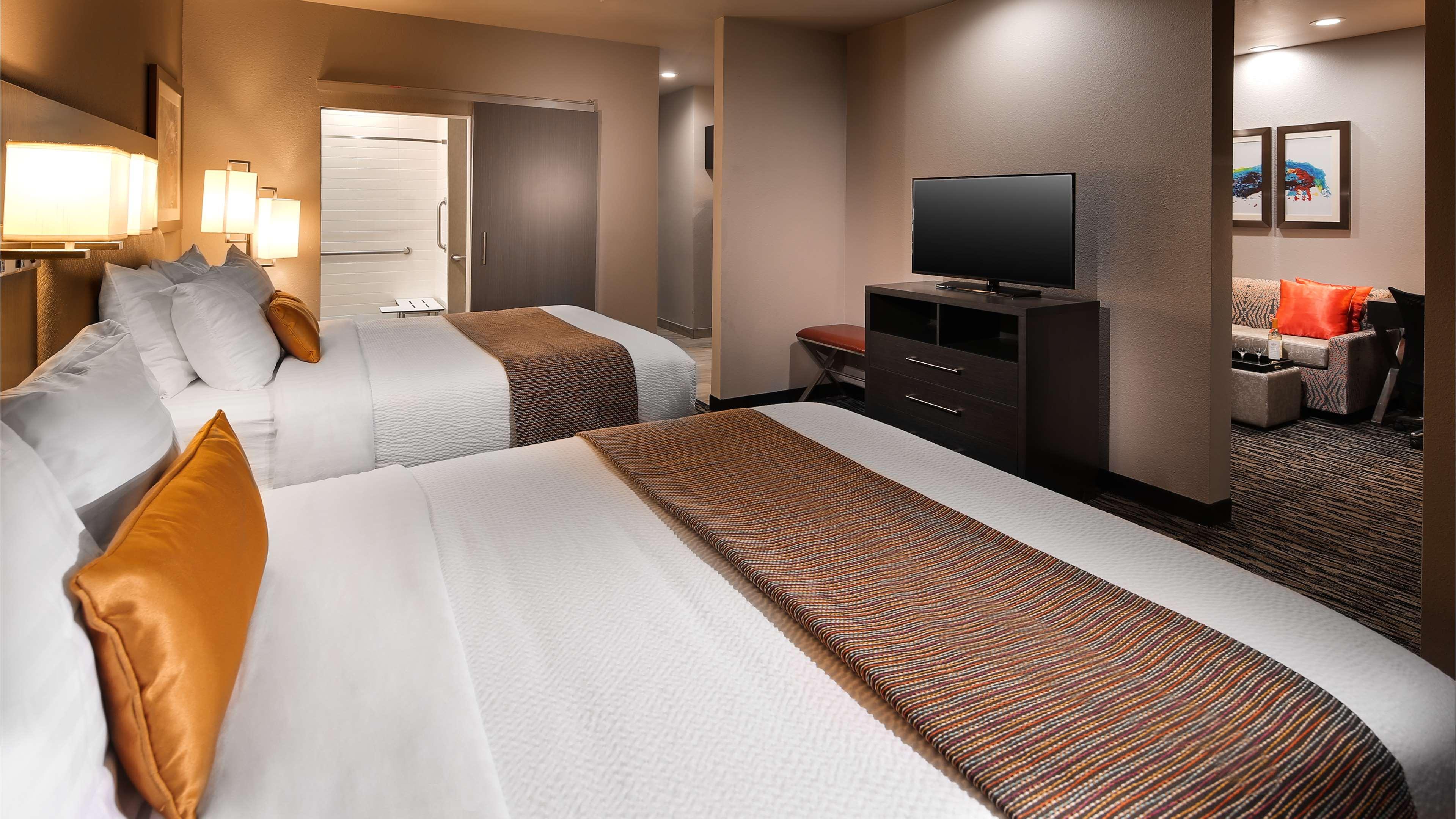 Best Western Plus Executive Residency Baytown image 33