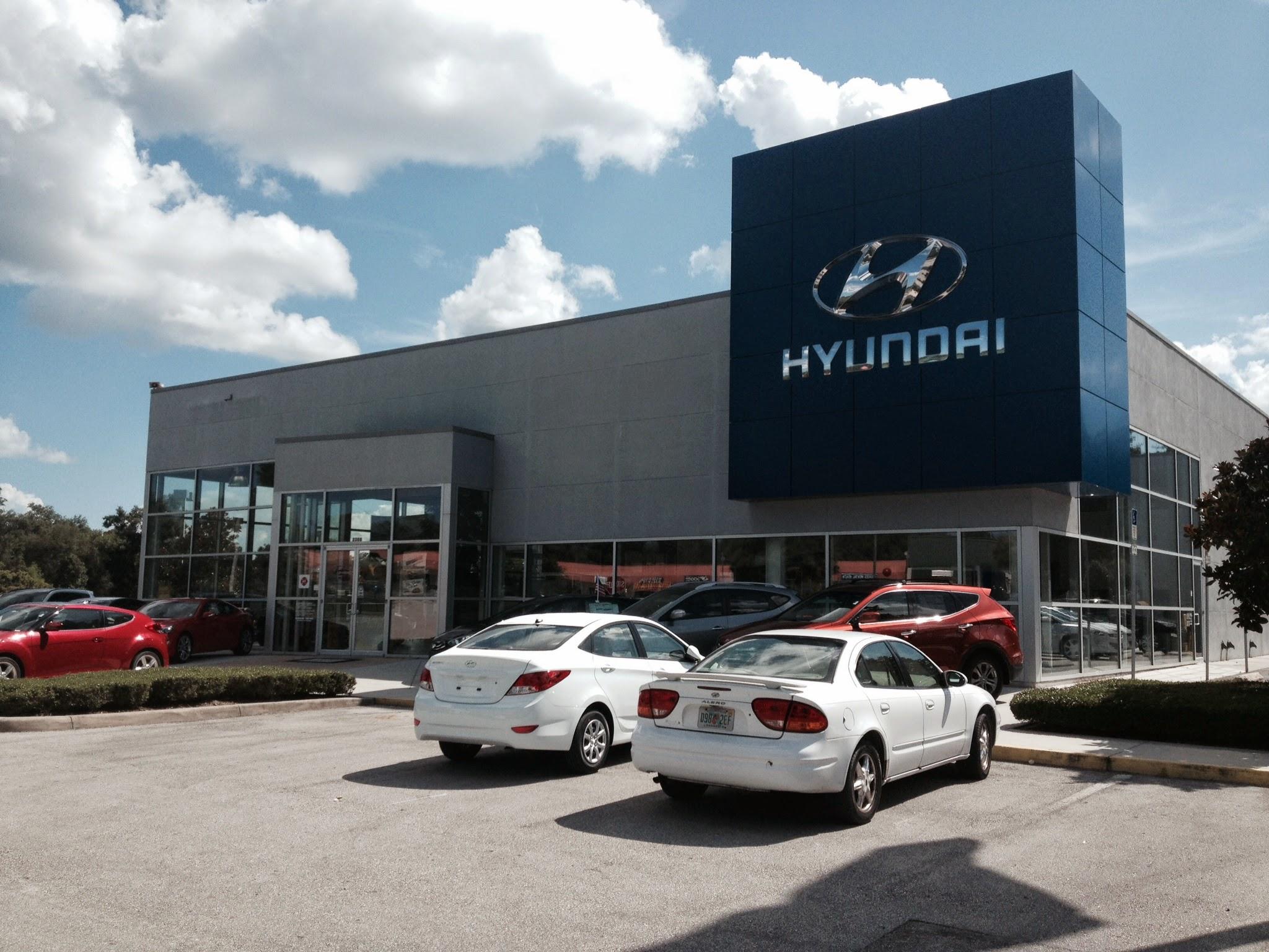 Coggin Deland Hyundai image 8