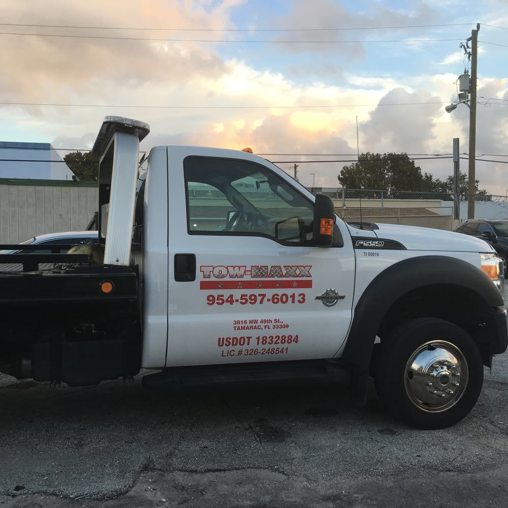 Tow Maxx Towing image 0
