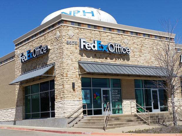 Fedex office print ship center in north richland hills for Fedex office davis ca