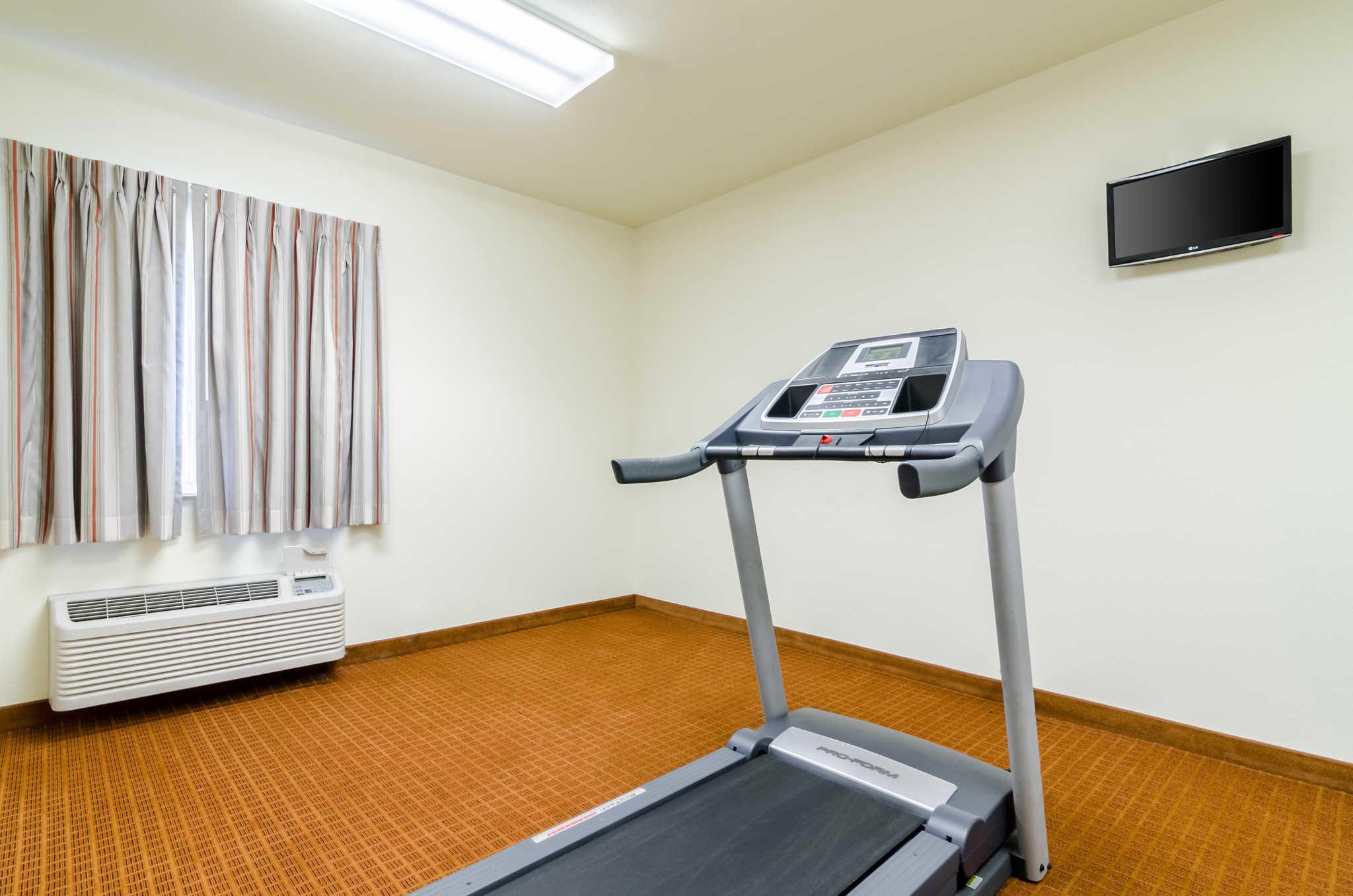 Rodeway Inn & Suites image 32