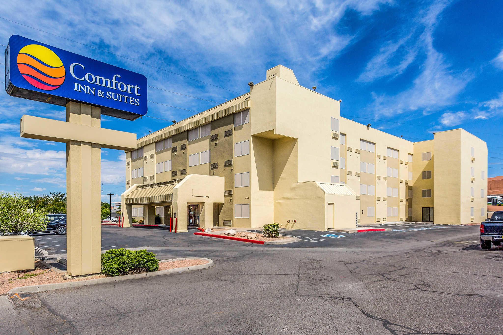 Comfort Inn & Suites Albuquerque Downtown image 1