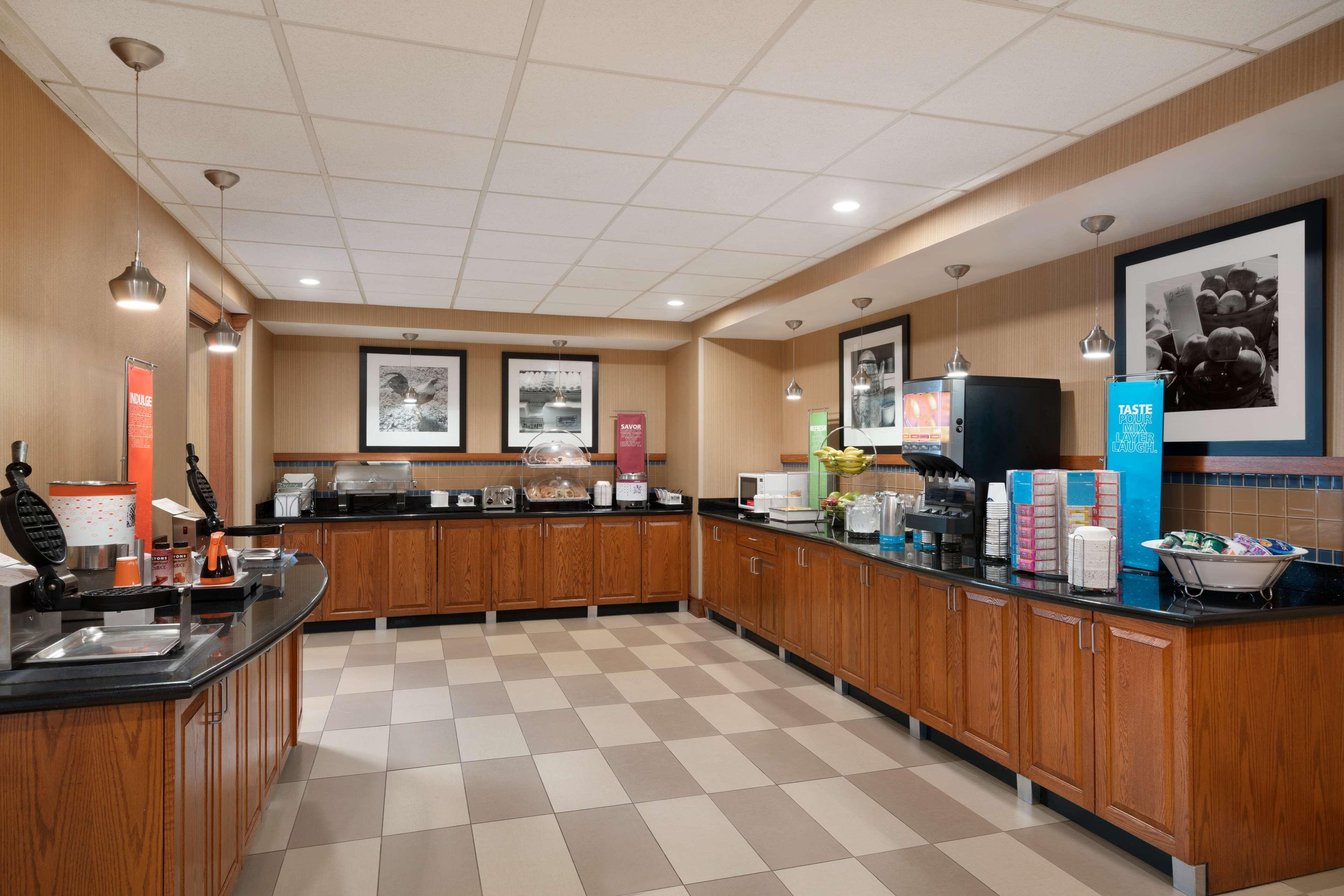 Hampton Inn & Suites Ephrata - Mountain Springs image 6