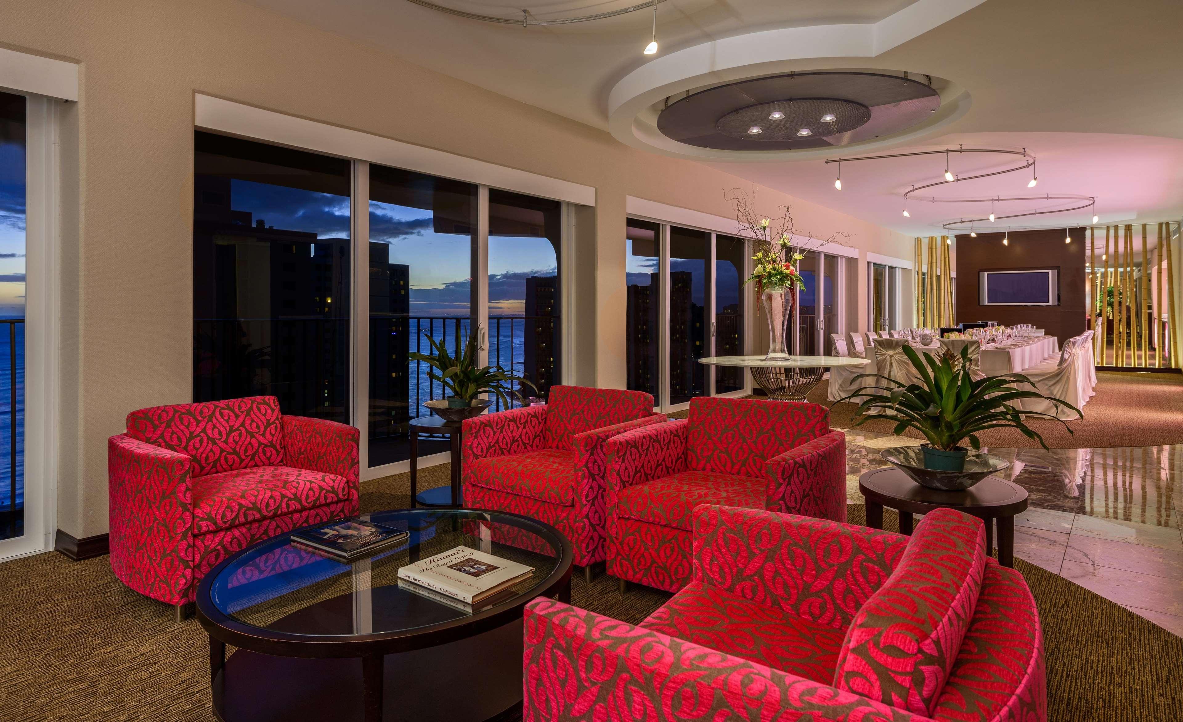 Hilton Waikiki Beach image 34