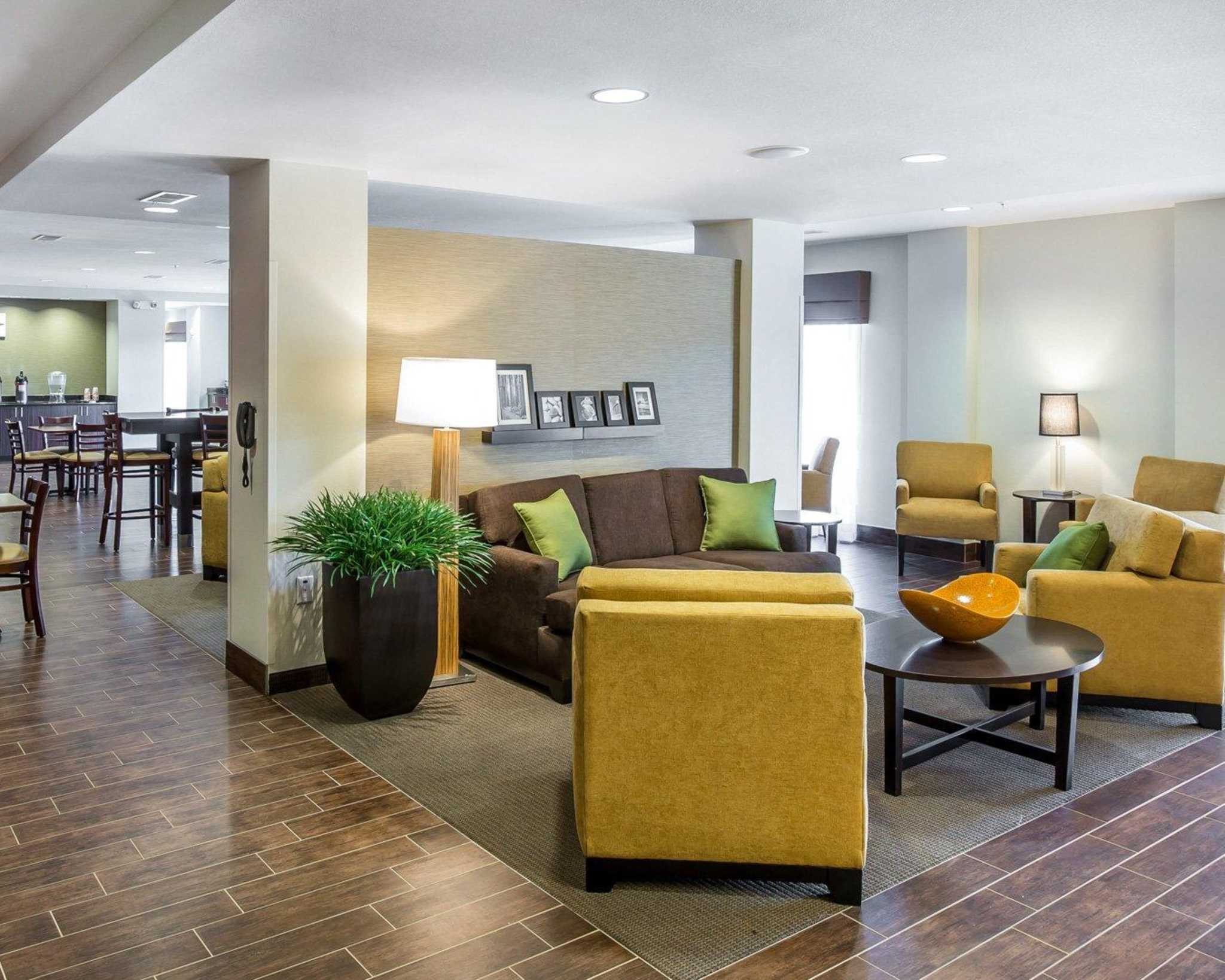 MainStay Suites Cartersville - Emerson Lake Point image 8