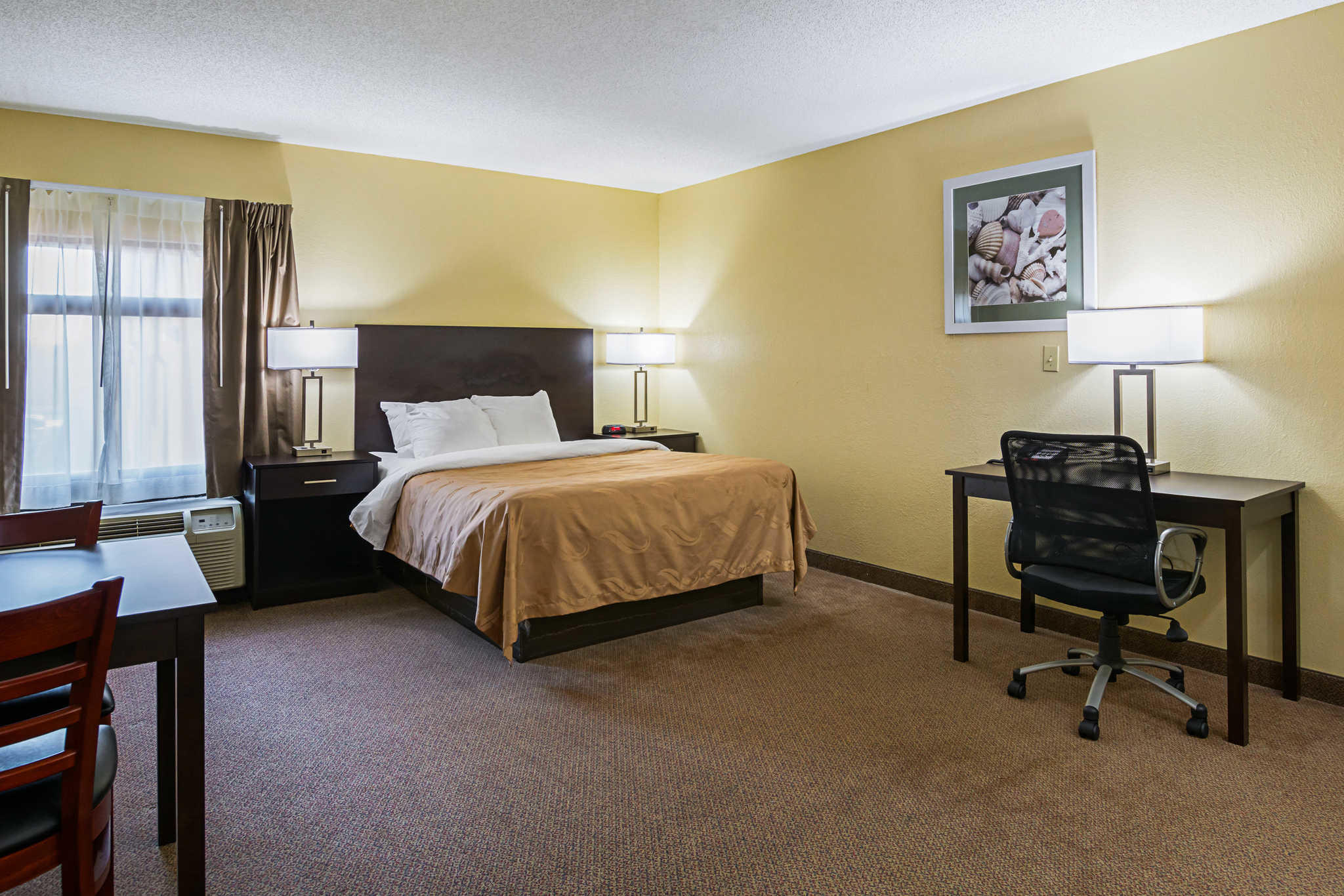 Quality Inn & Suites Greensburg I-74 image 16