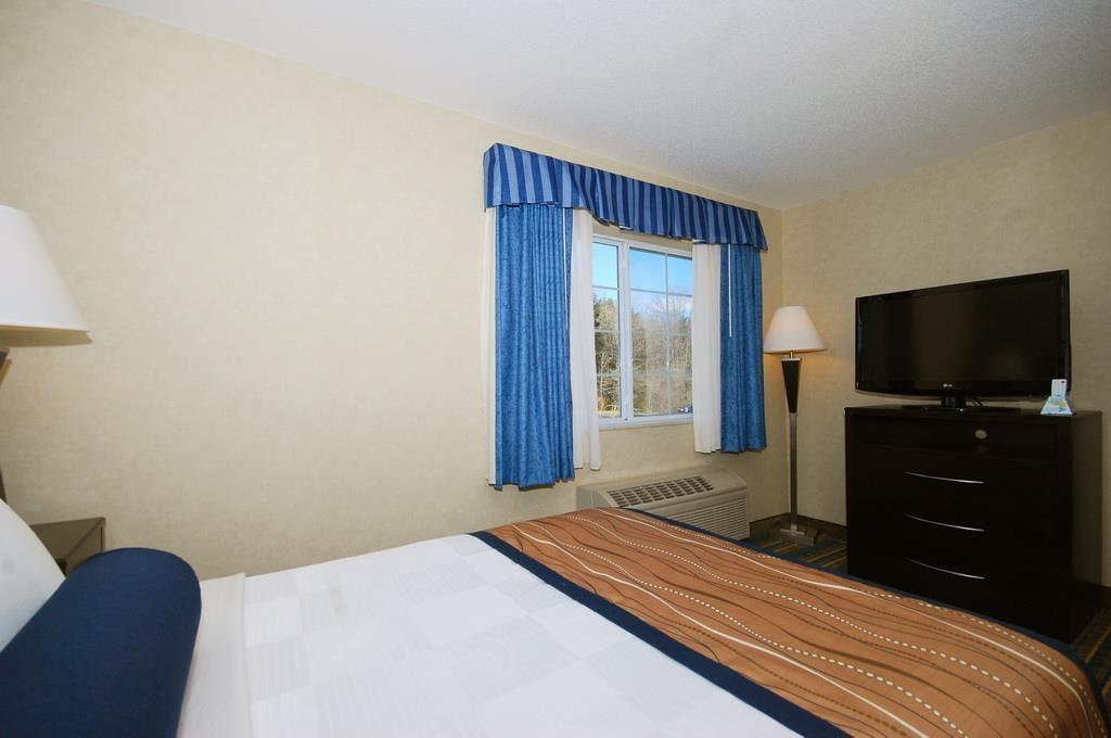 Best Western Plus Berkshire Hills Inn & Suites image 32