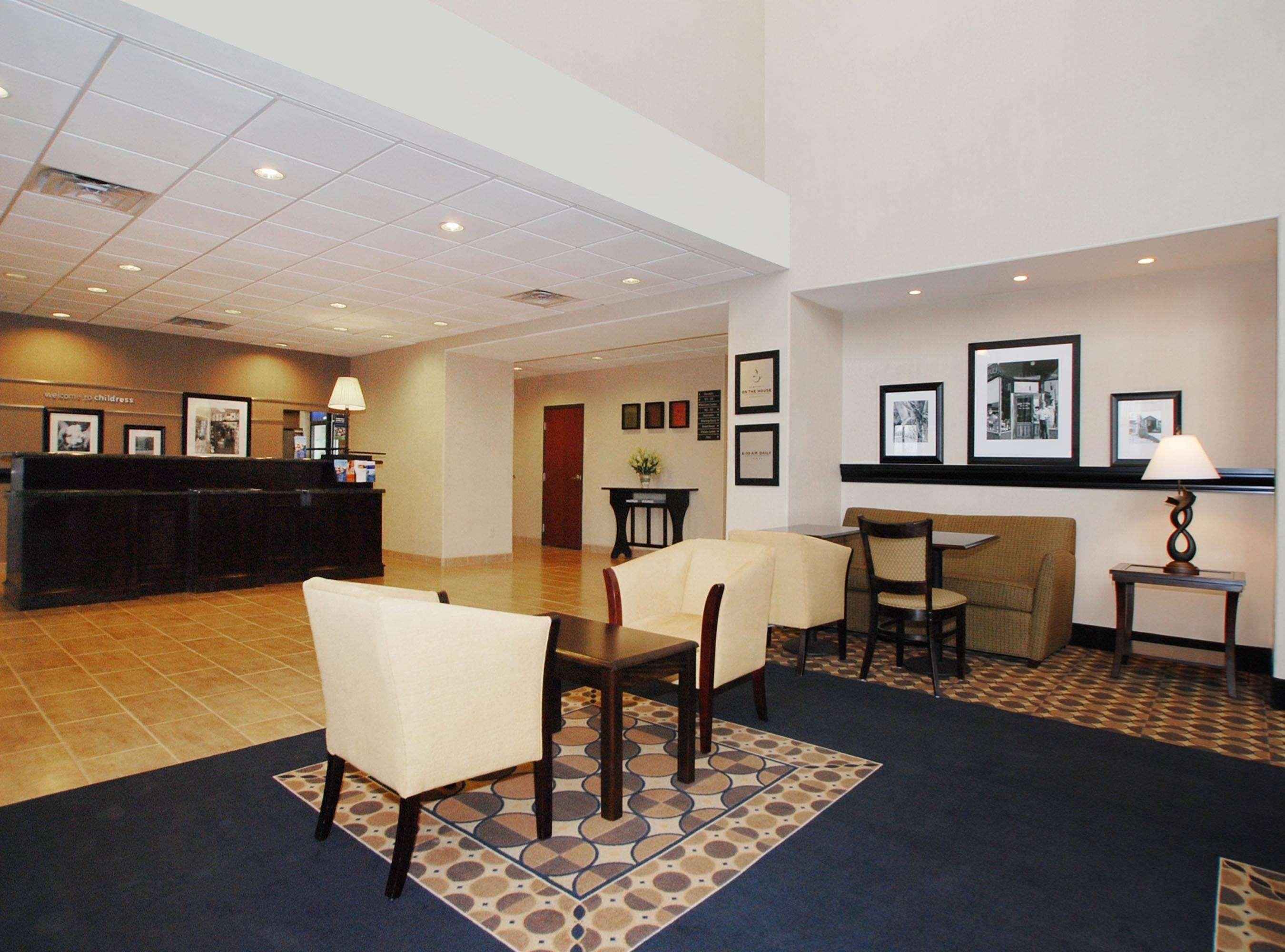 Hampton Inn & Suites Childress image 4
