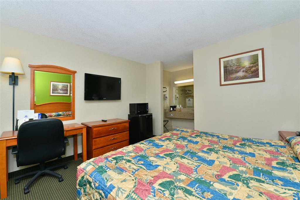 Americas Best Value Inn Wharton image 9