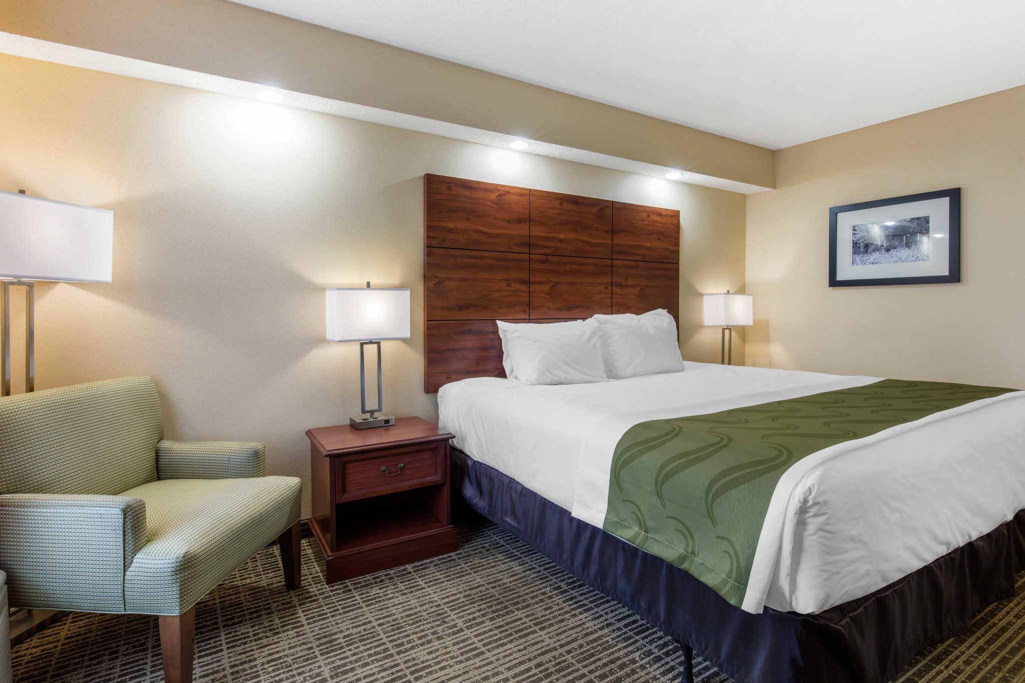 quality inn at 208 micah way scottsboro al on fave. Black Bedroom Furniture Sets. Home Design Ideas