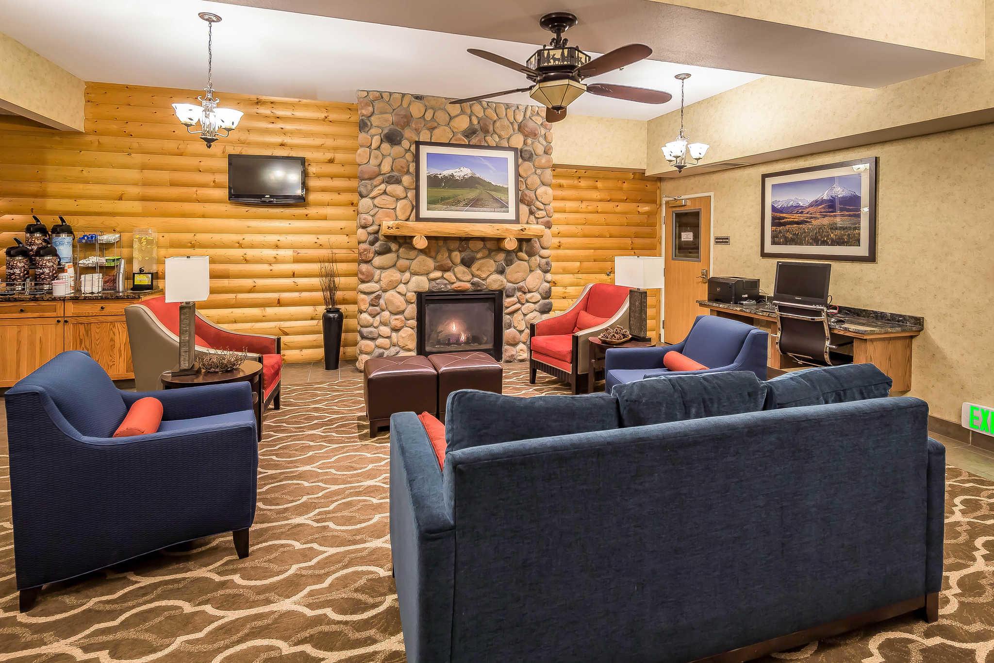 Comfort Suites Anchorage International Airport image 33