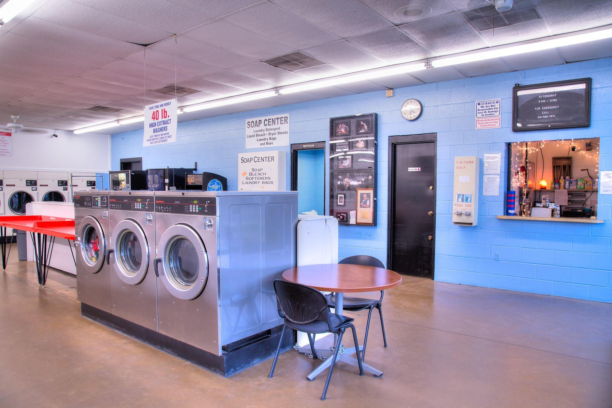 Duds N Suds Laundry image 15
