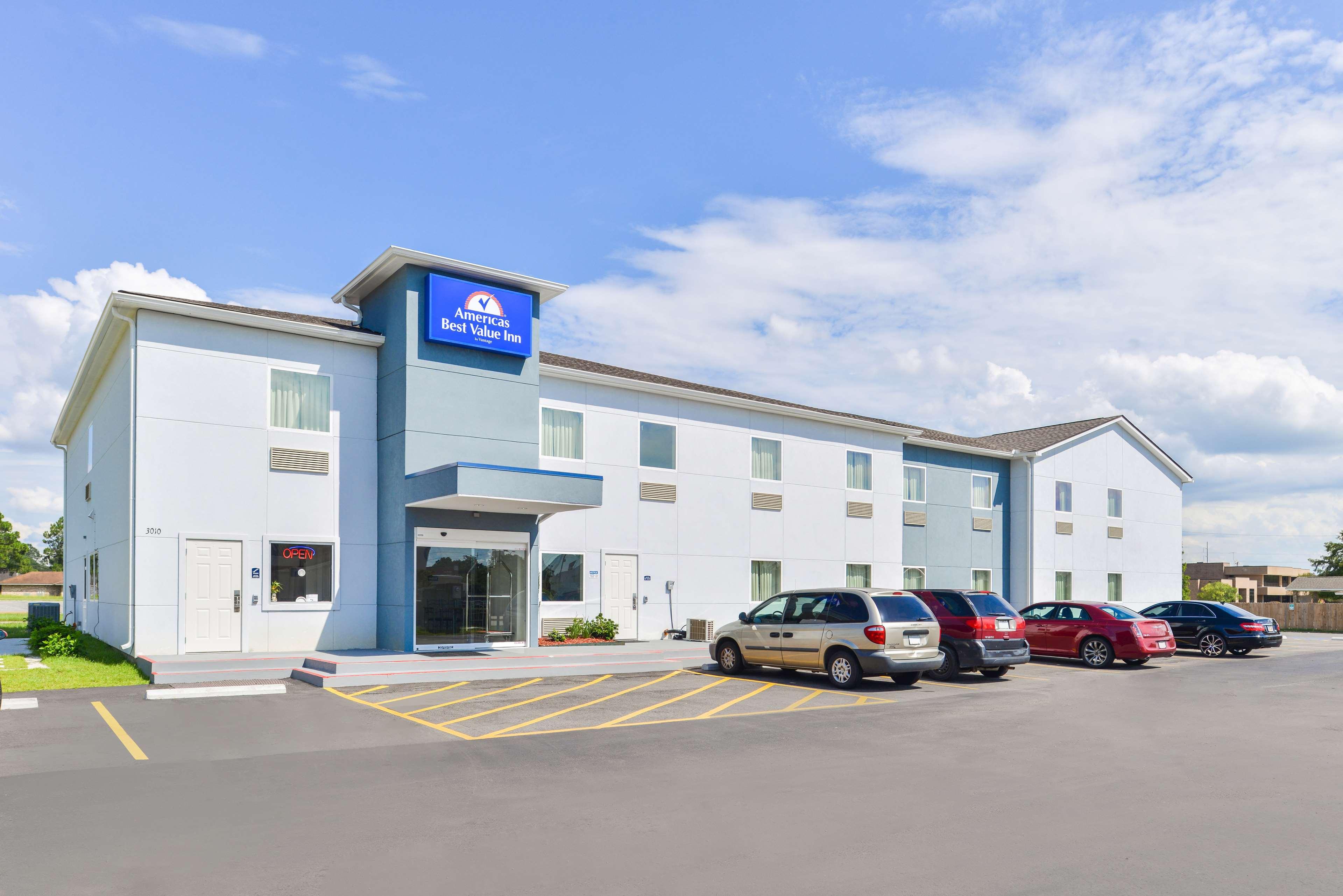 Americas Best Value Inn - Baton Rouge / College Drive image 0
