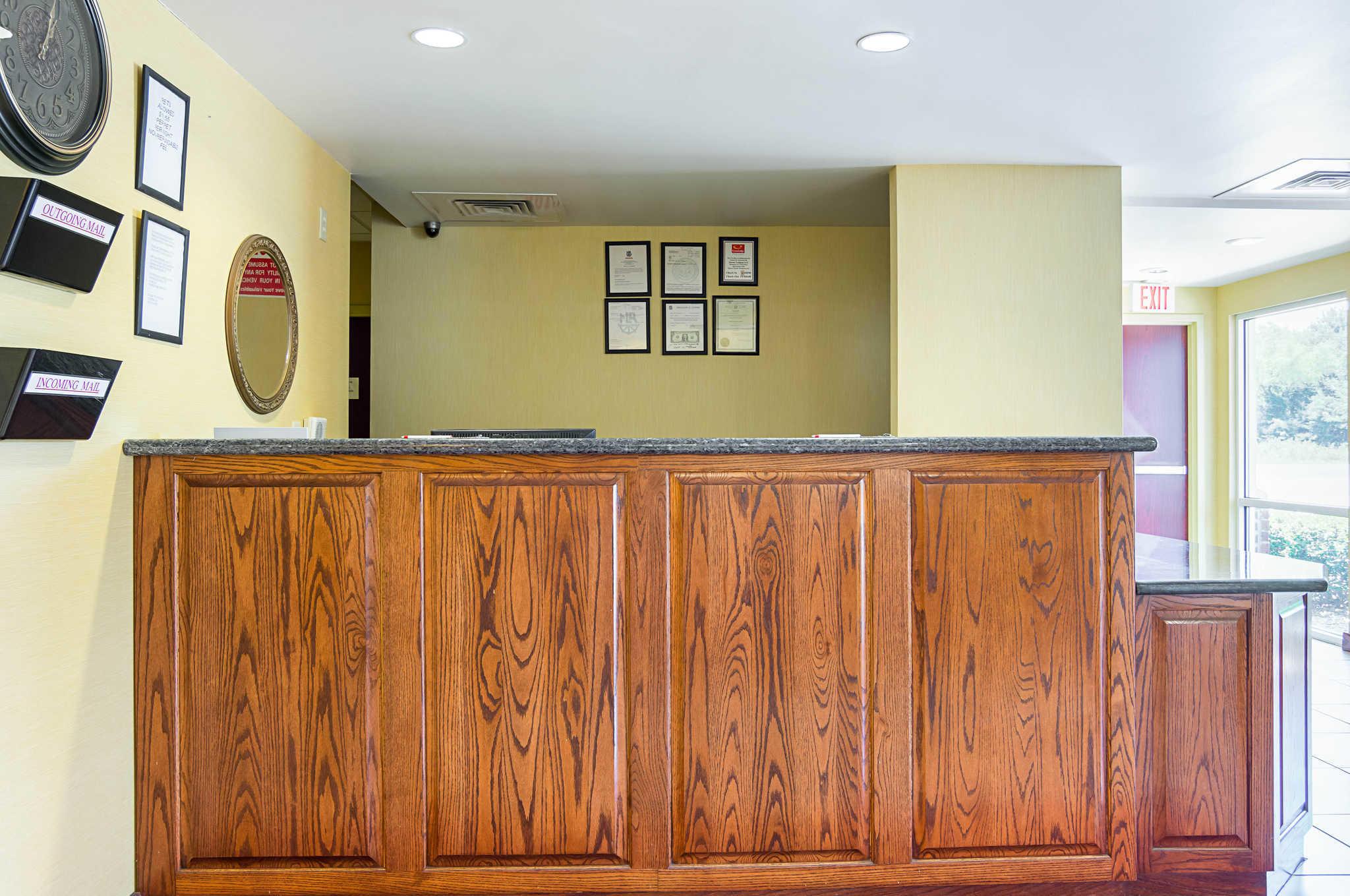 Econo Lodge Inn & Suites Pritchard Road North Little Rock image 24